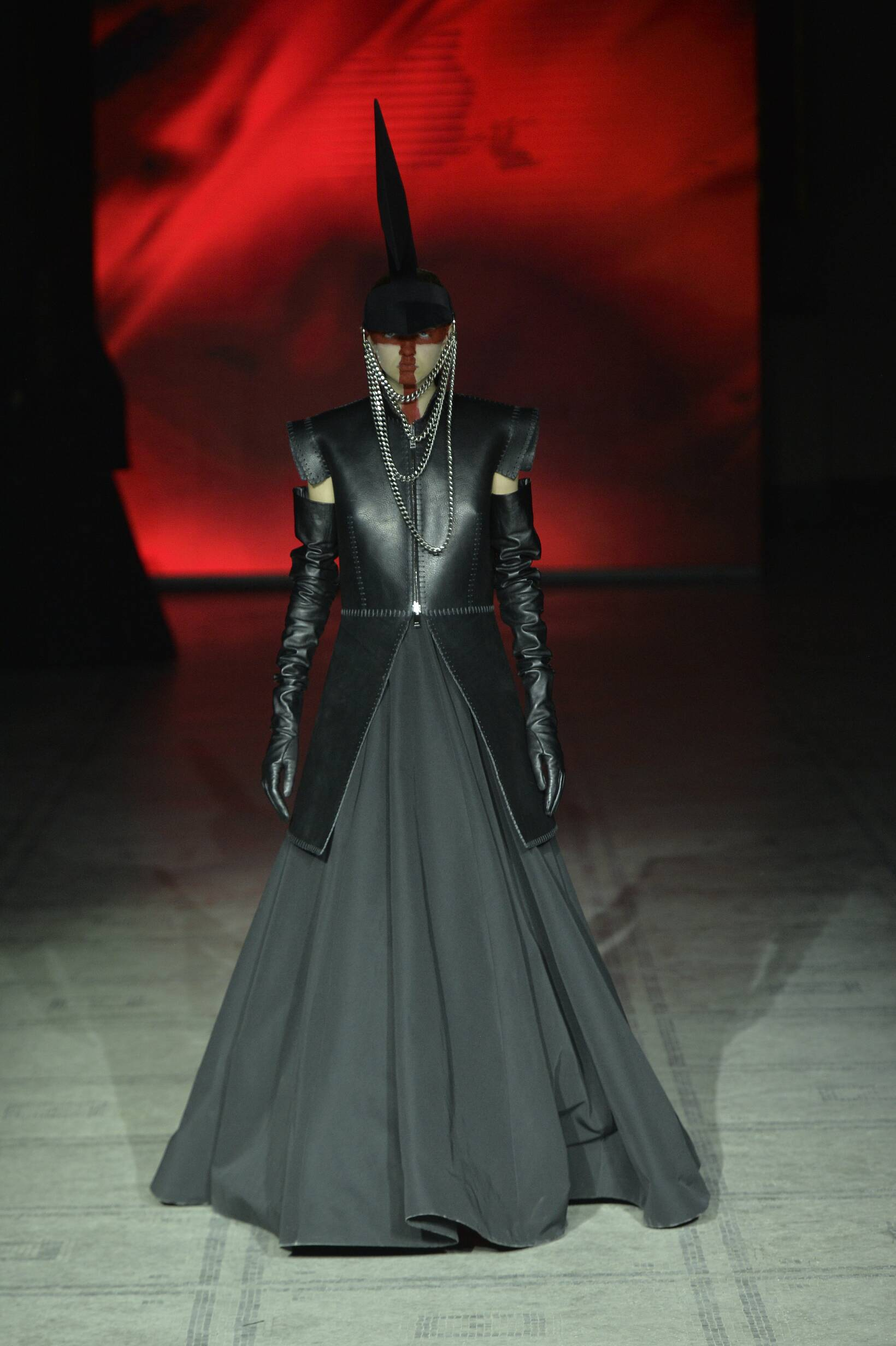 Fall Fashion Woman Gareth Pugh Collection