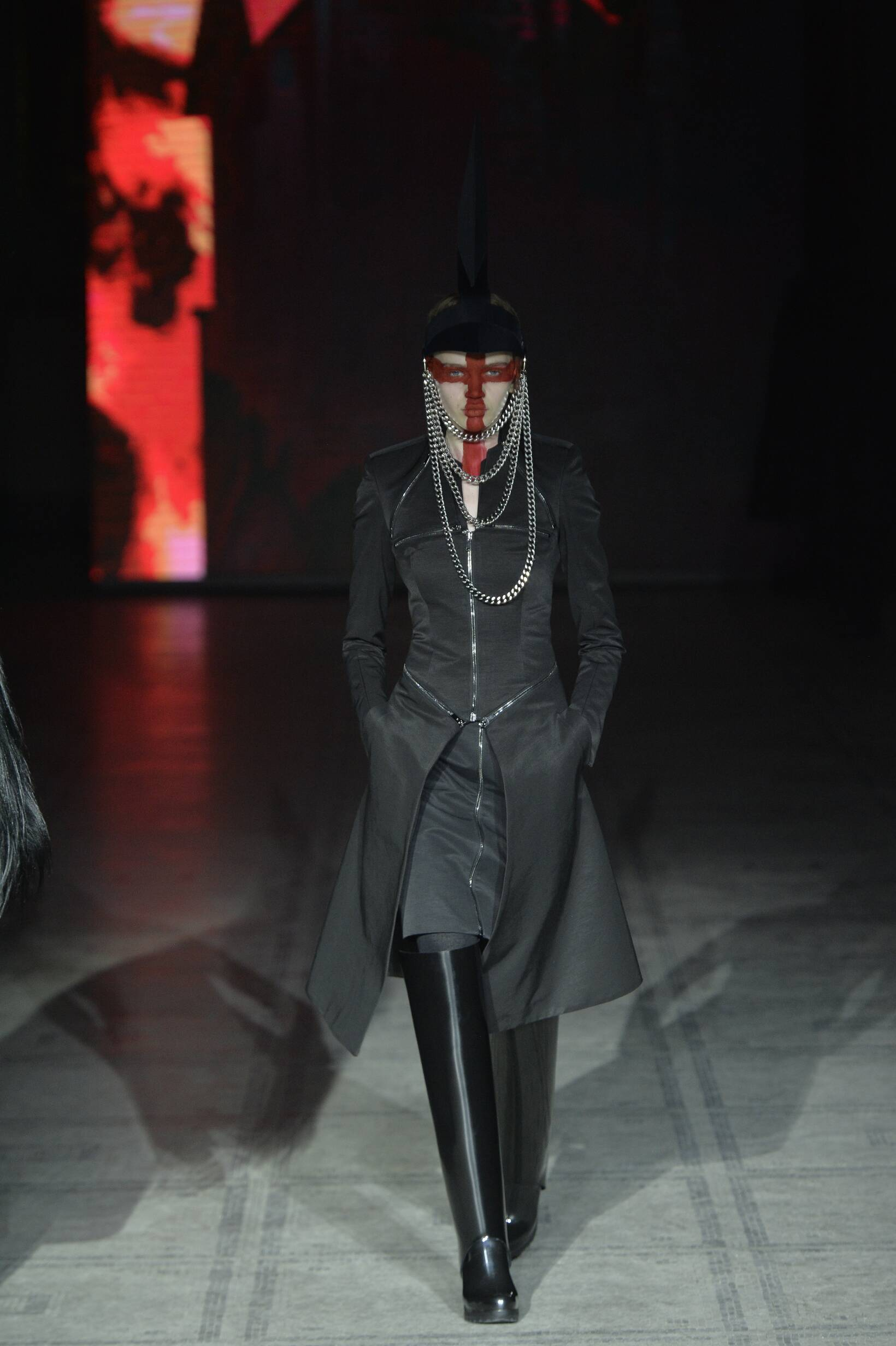 Fall Winter 2015 16 Fashion Collection Gareth Pugh