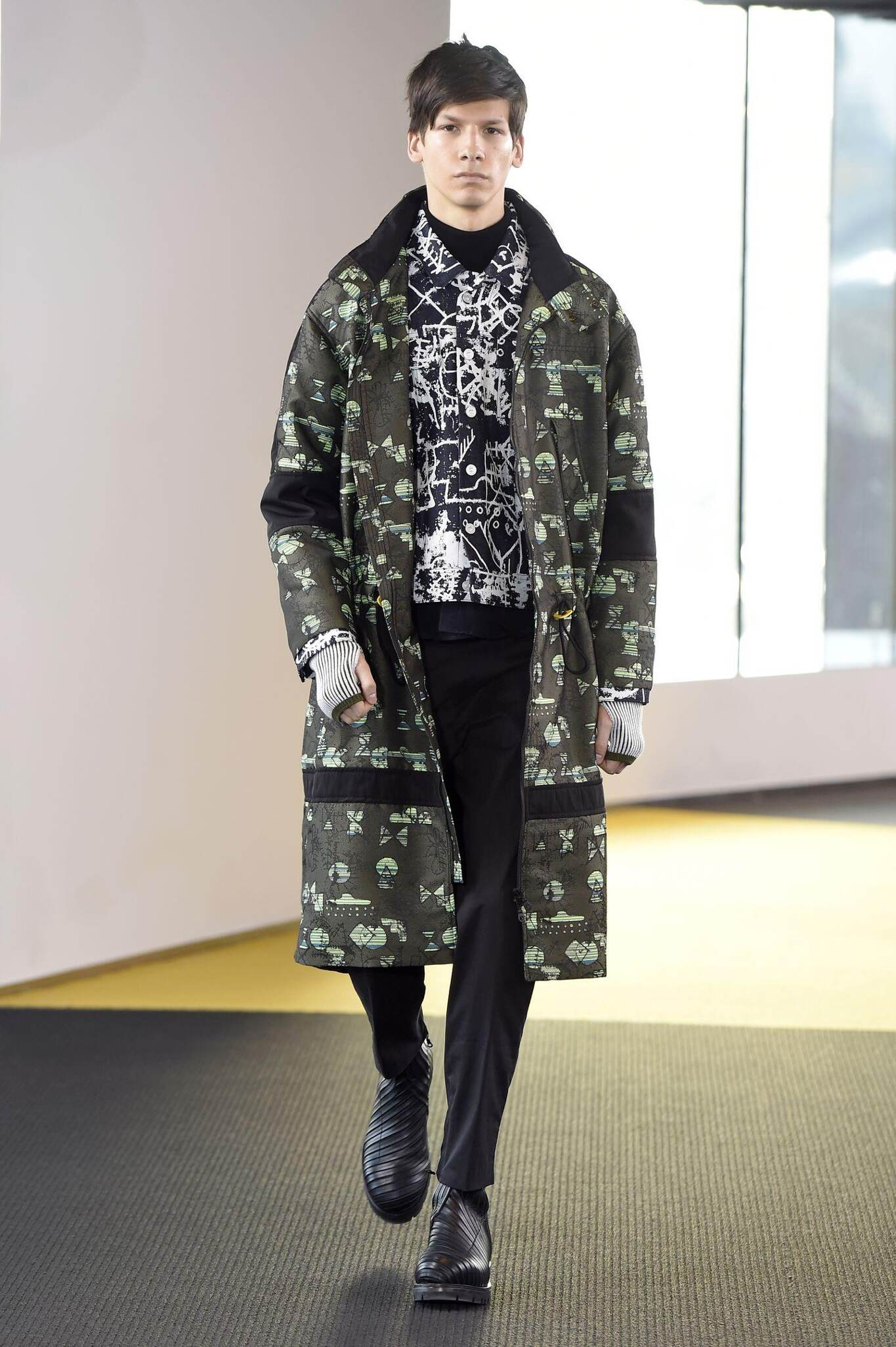 Fashion Man Model Kenzo Collection Catwalk