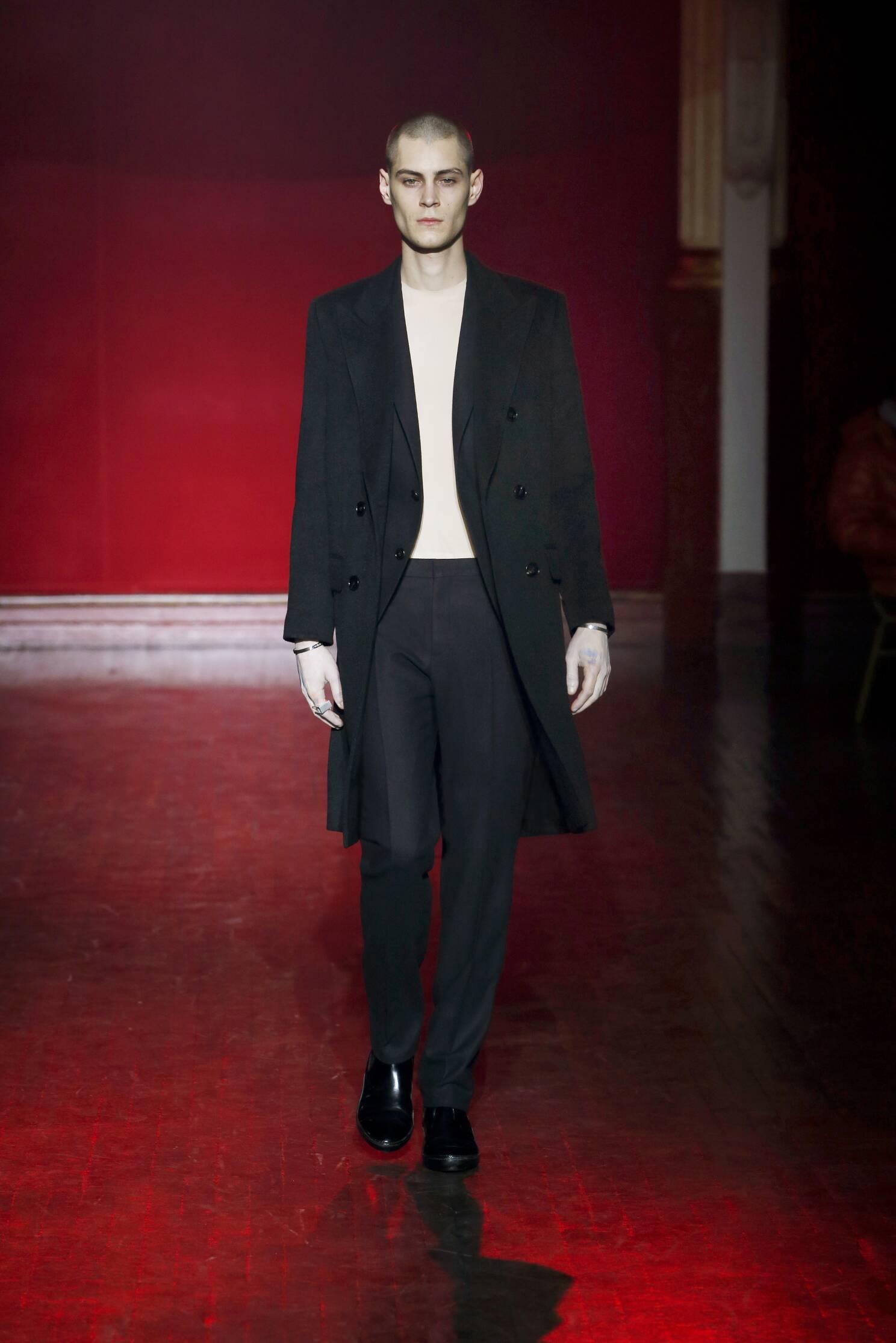 Fashion Model Maison Margiela Collection Catwalk