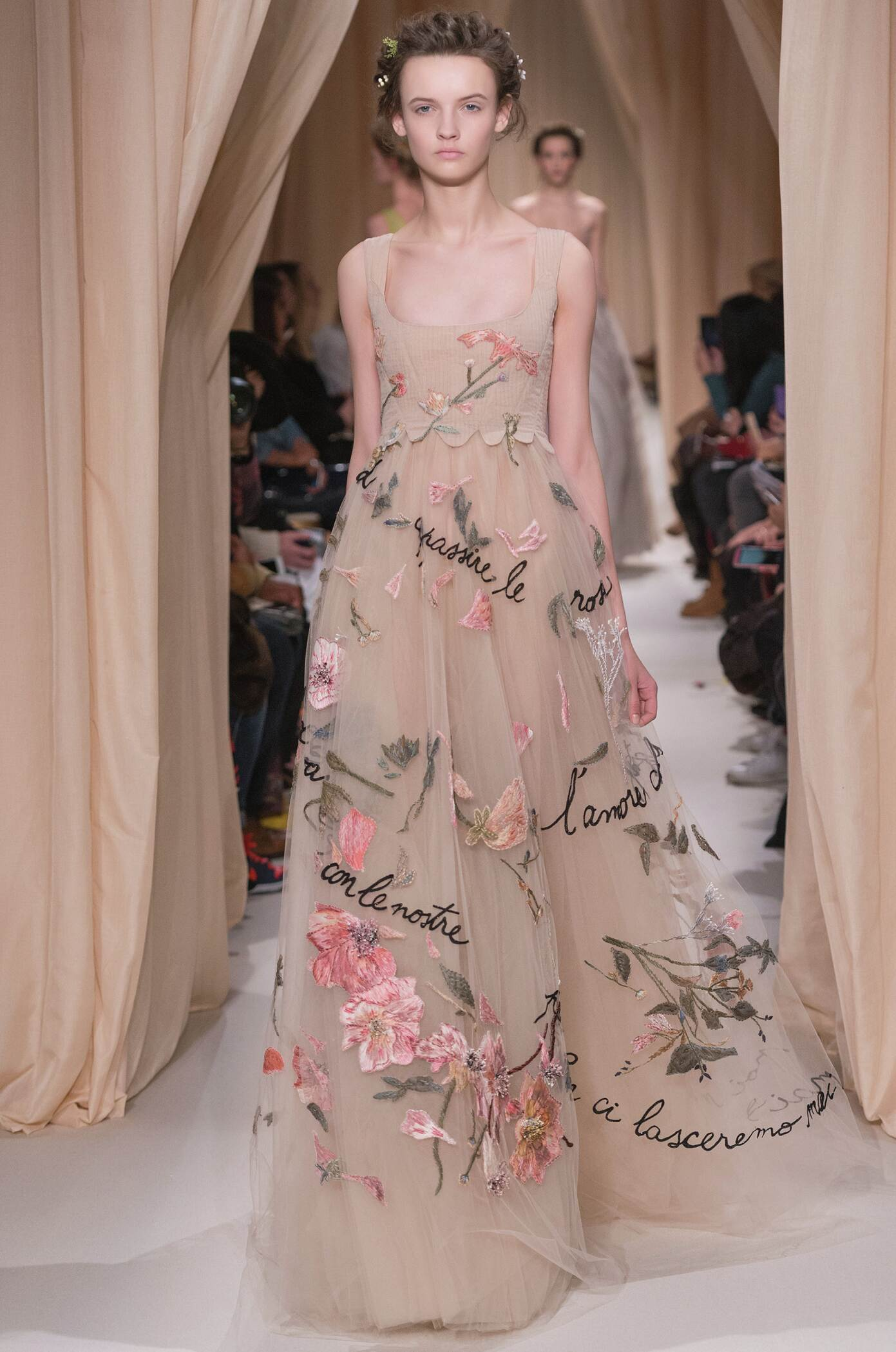 Fashion Show SS 2015 Valentino Haute Couture