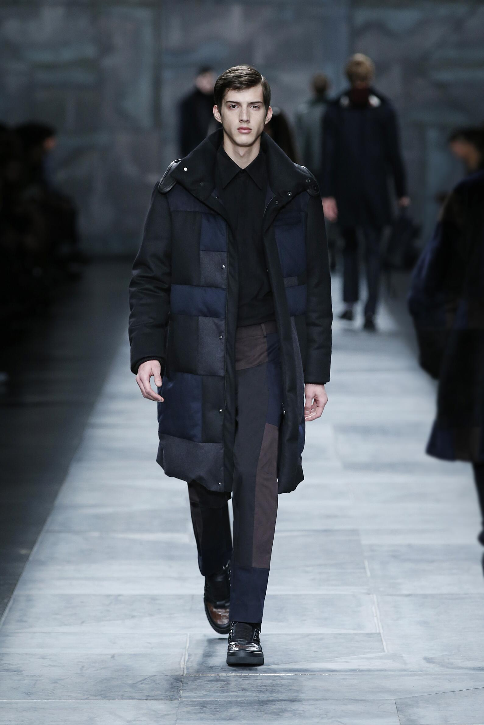 Fendi Collection Fashion Show FW 2015 2016
