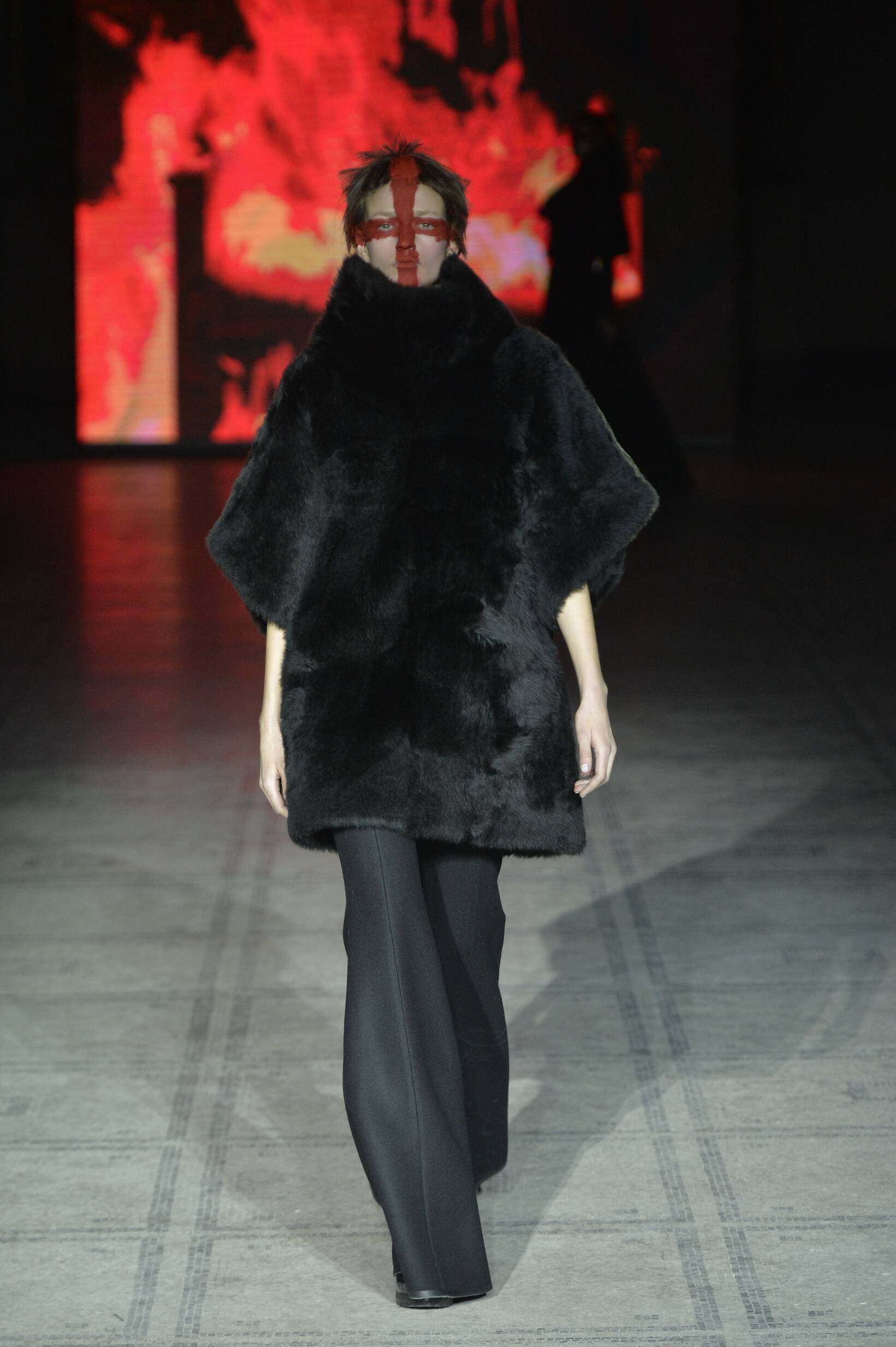 Gareth Pugh Collection Fall 2015 Catwalk