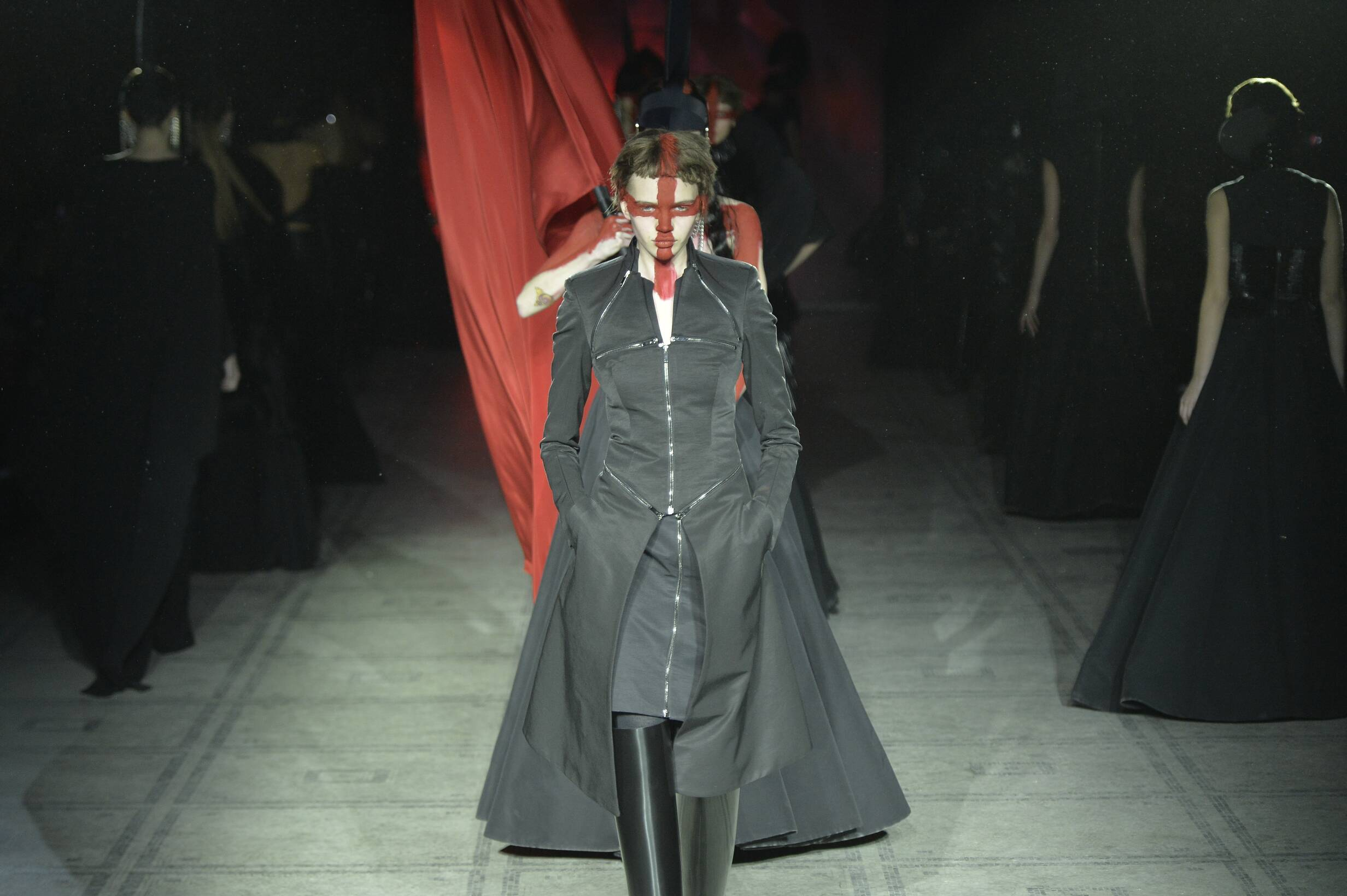 Gareth Pugh Fashion Show 2015 Finale