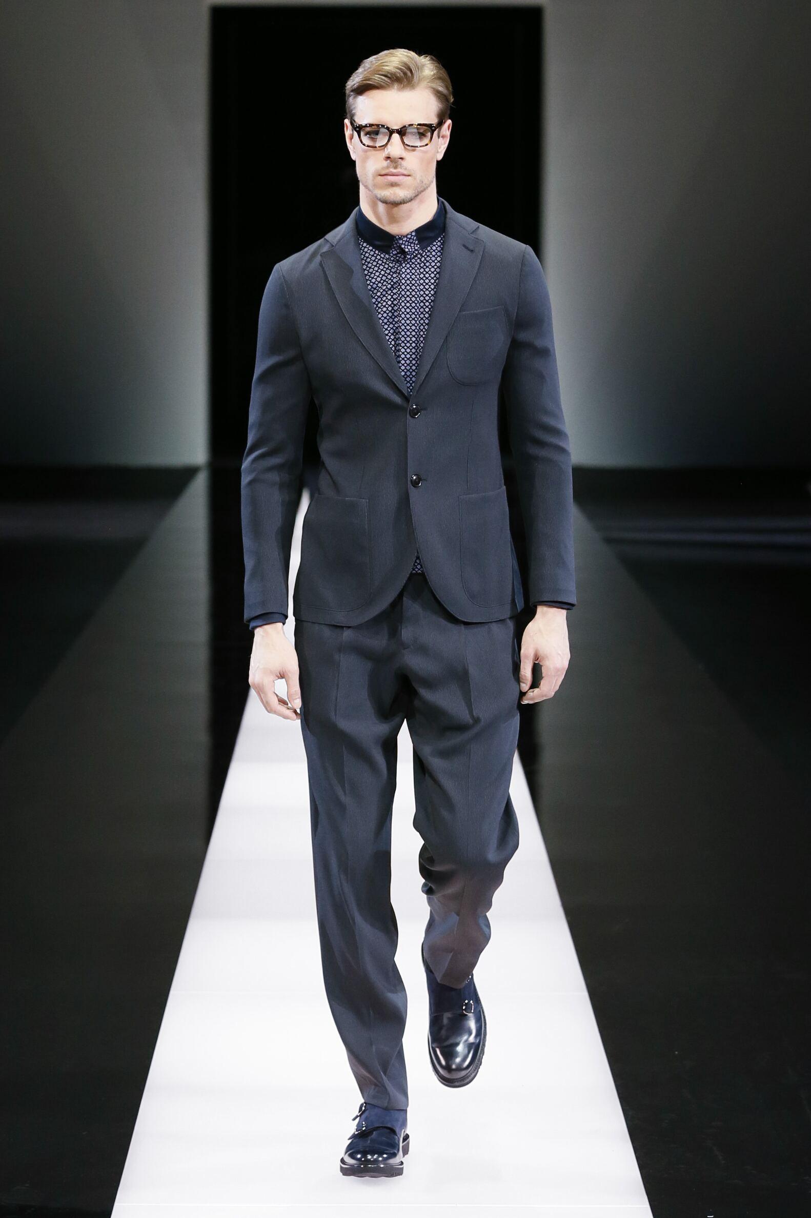 50e1192e927 Giorgio Armani Collection Men s FW 2015 16 Fashion Show