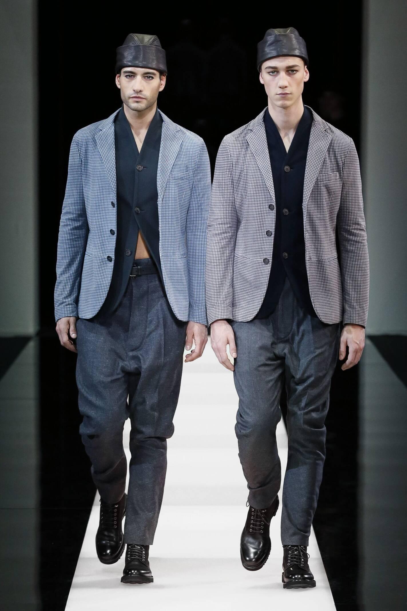 Giorgio Armani Collection Winter 2015 Catwalk