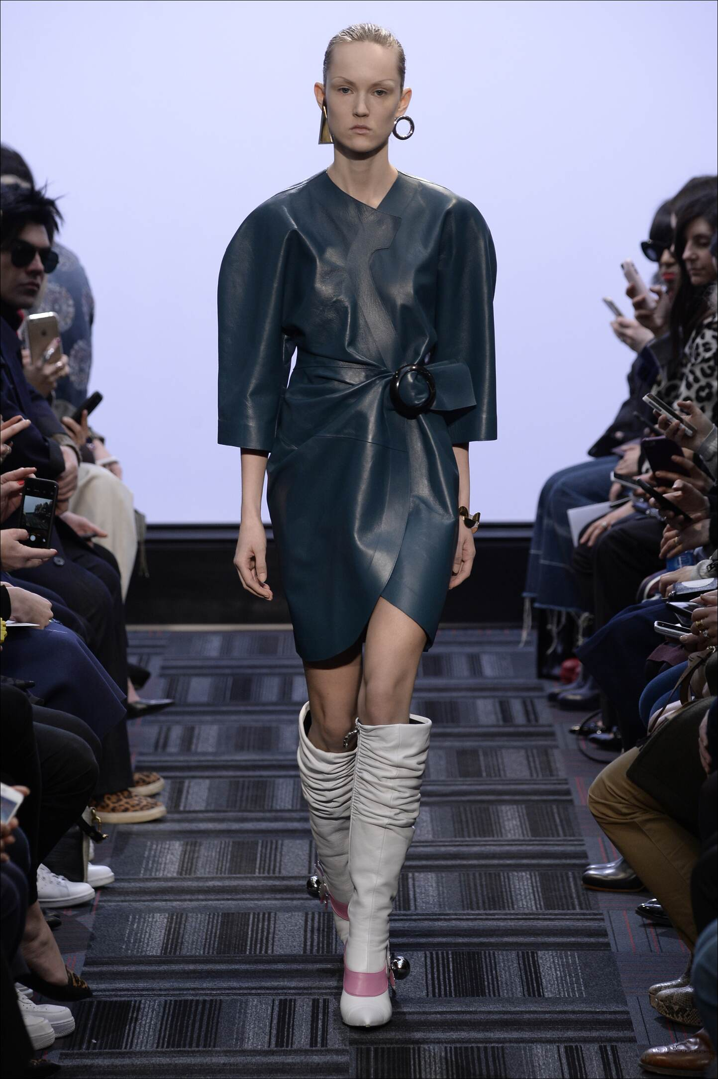 J.W. Anderson Fall Winter 2015 16 Women's Collection London Fashion Week Fashion Show