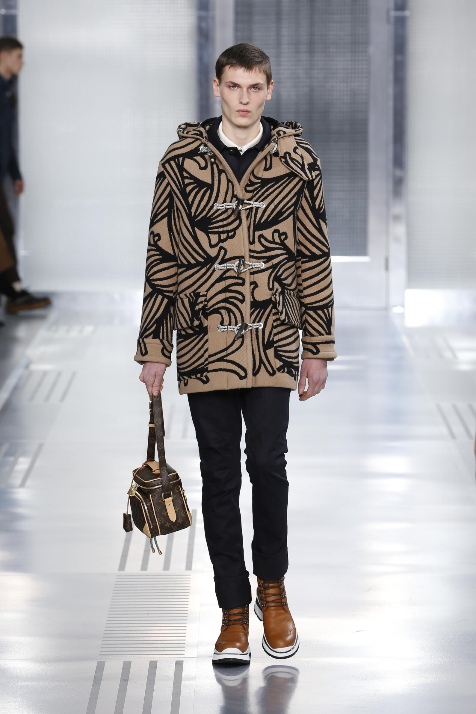 Louis Vuitton Collection Fashion Show FW 2015 2016