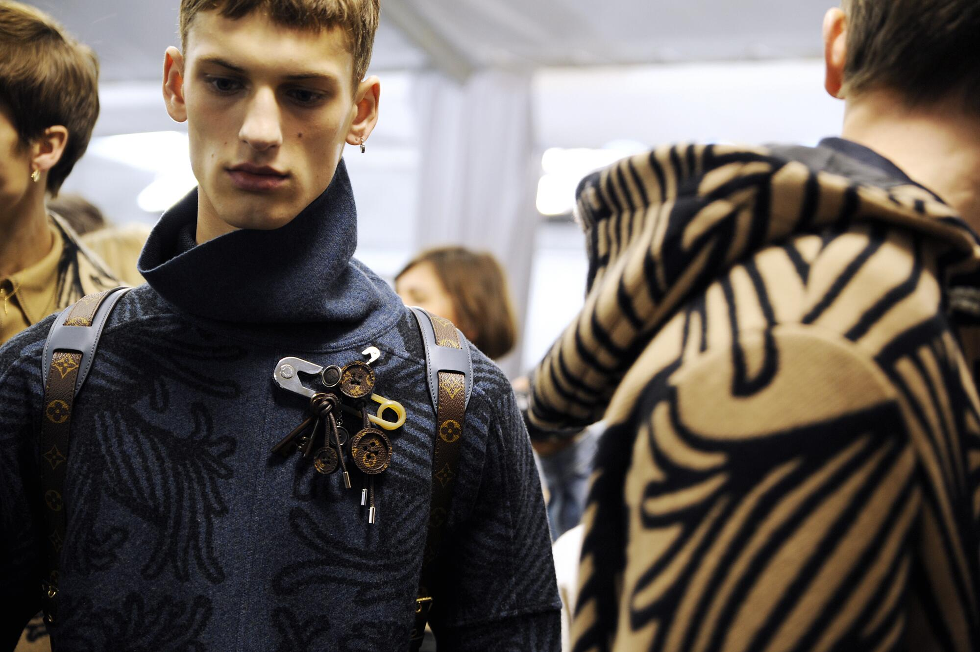 Models Louis Vuitton Backstage Fall Winter 2015 Paris