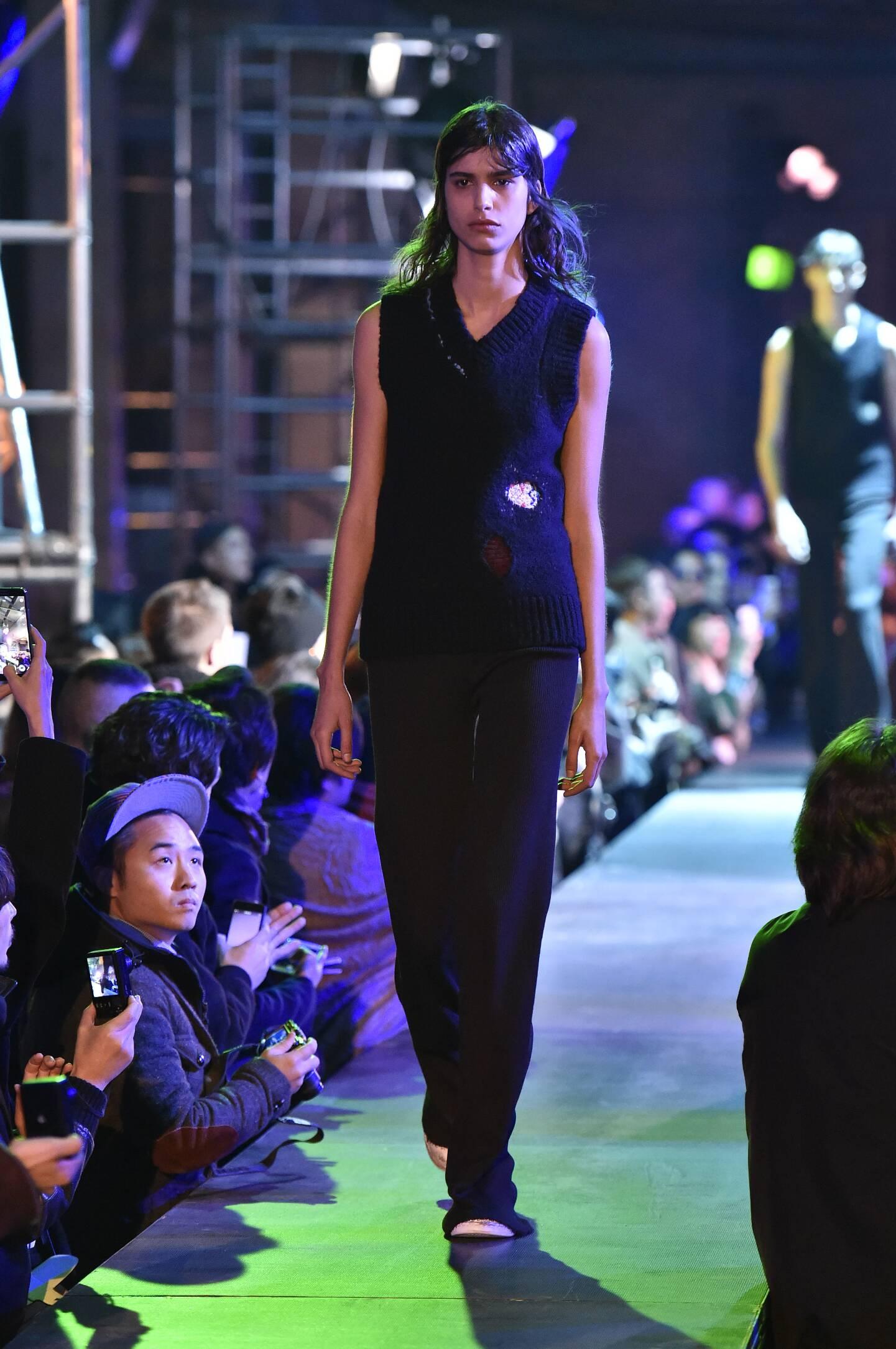 Raf Simons Collection Fashion Show FW 2015 2016