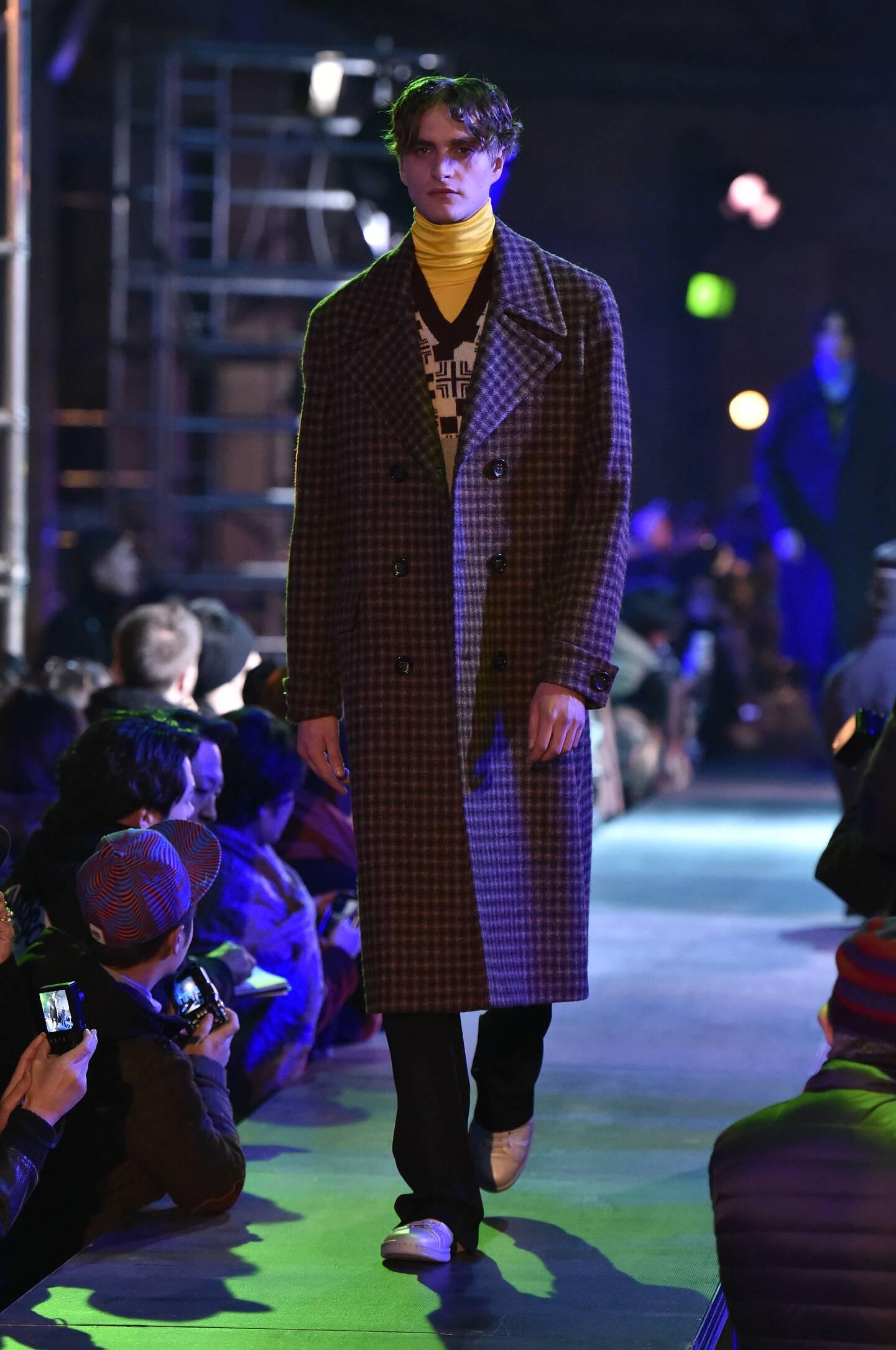 Raf Simons Collection Winter 2015 Catwalk