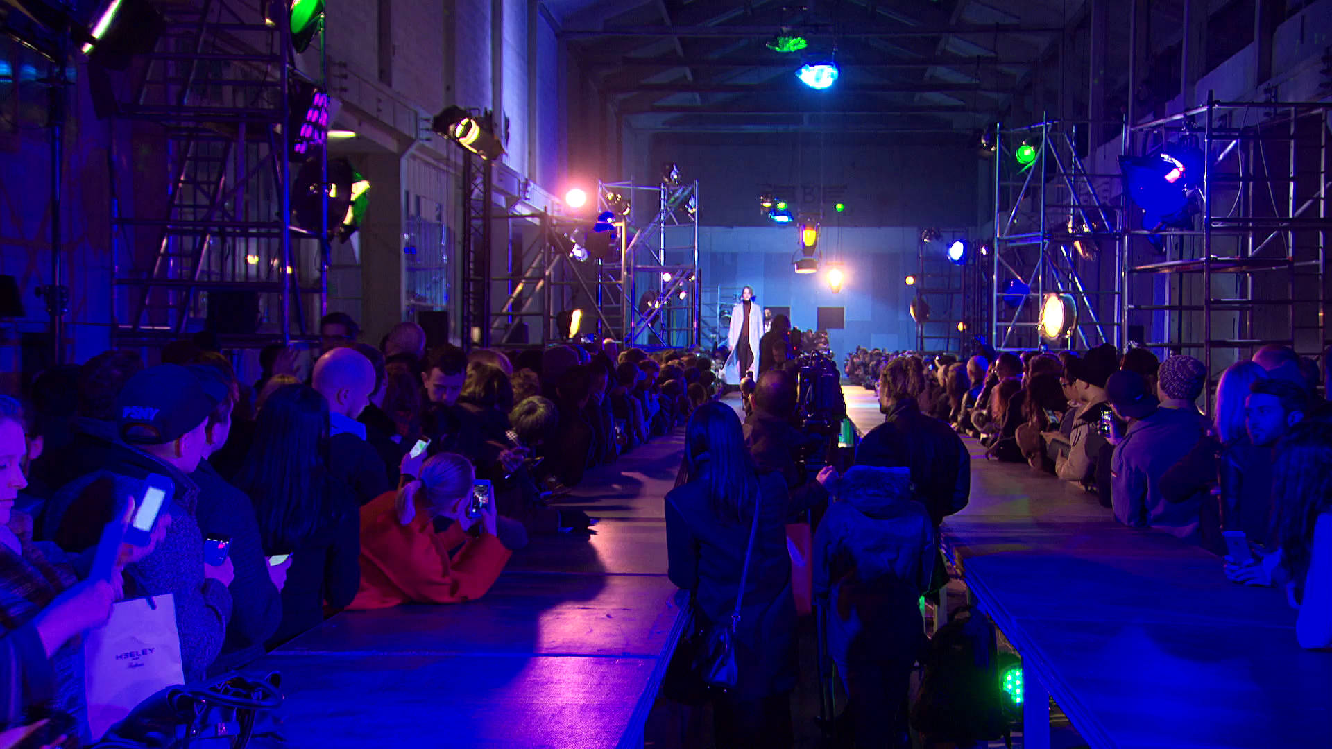 Raf Simons Fall Winter 2015-16 Men's Fashion Show - Paris Fashion Week