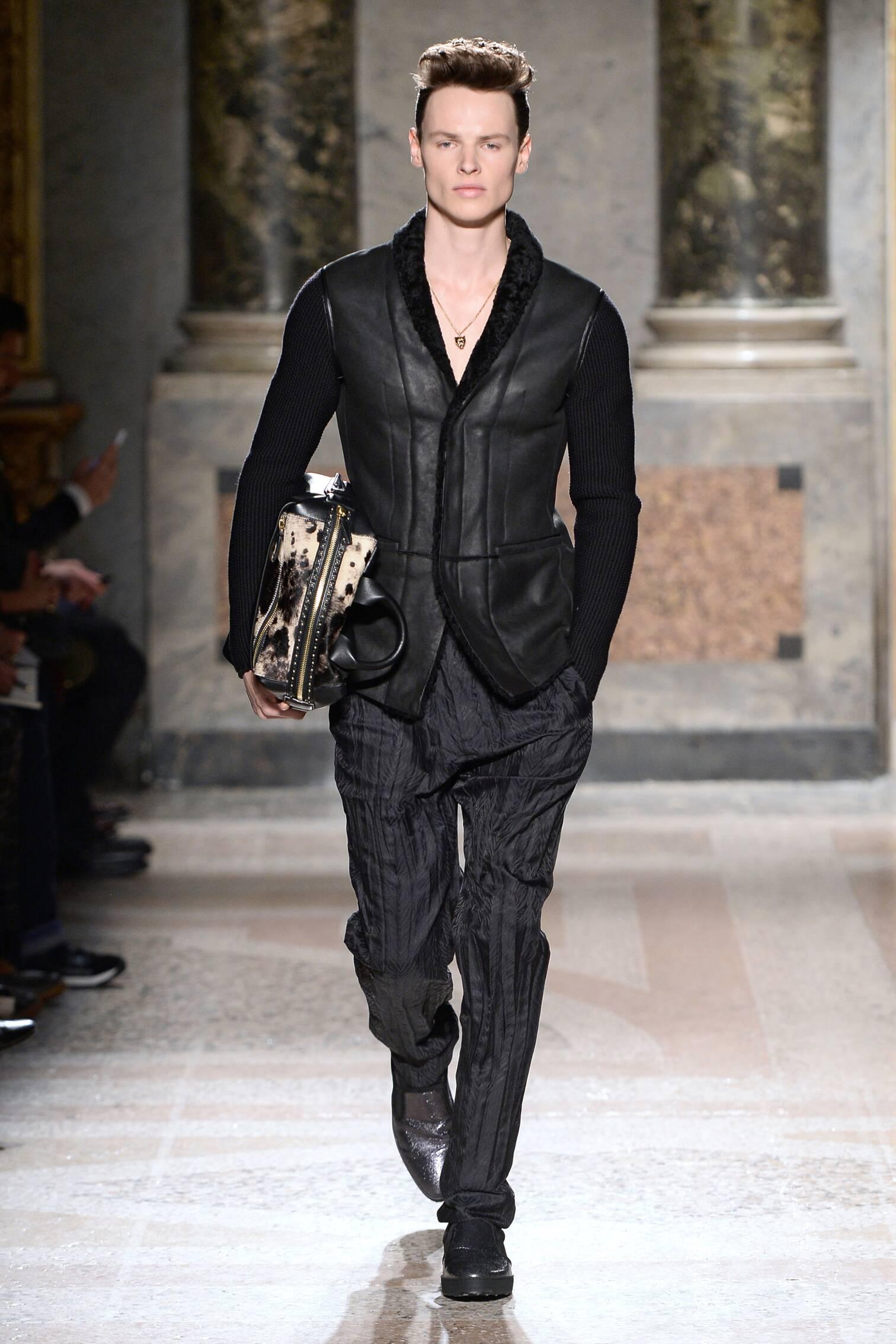 Roberto Cavalli Collection Fall 2015 Catwalk