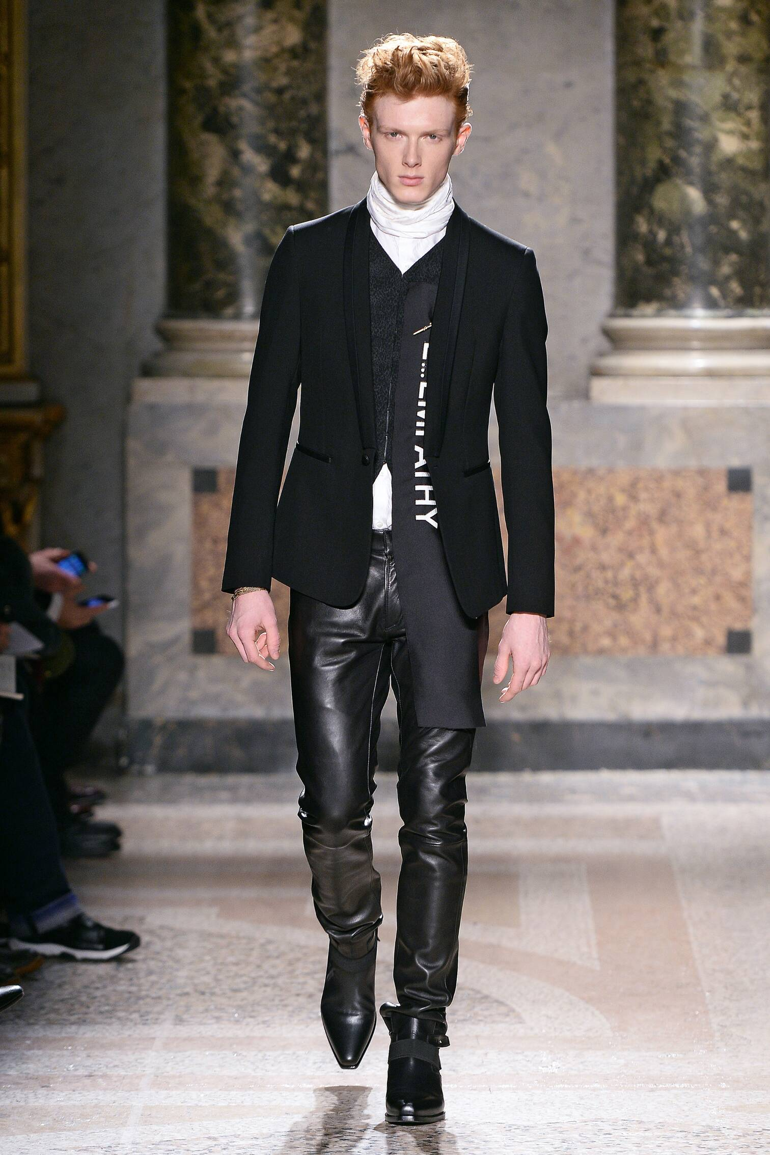 Roberto Cavalli Collection Winter 2015 Catwalk