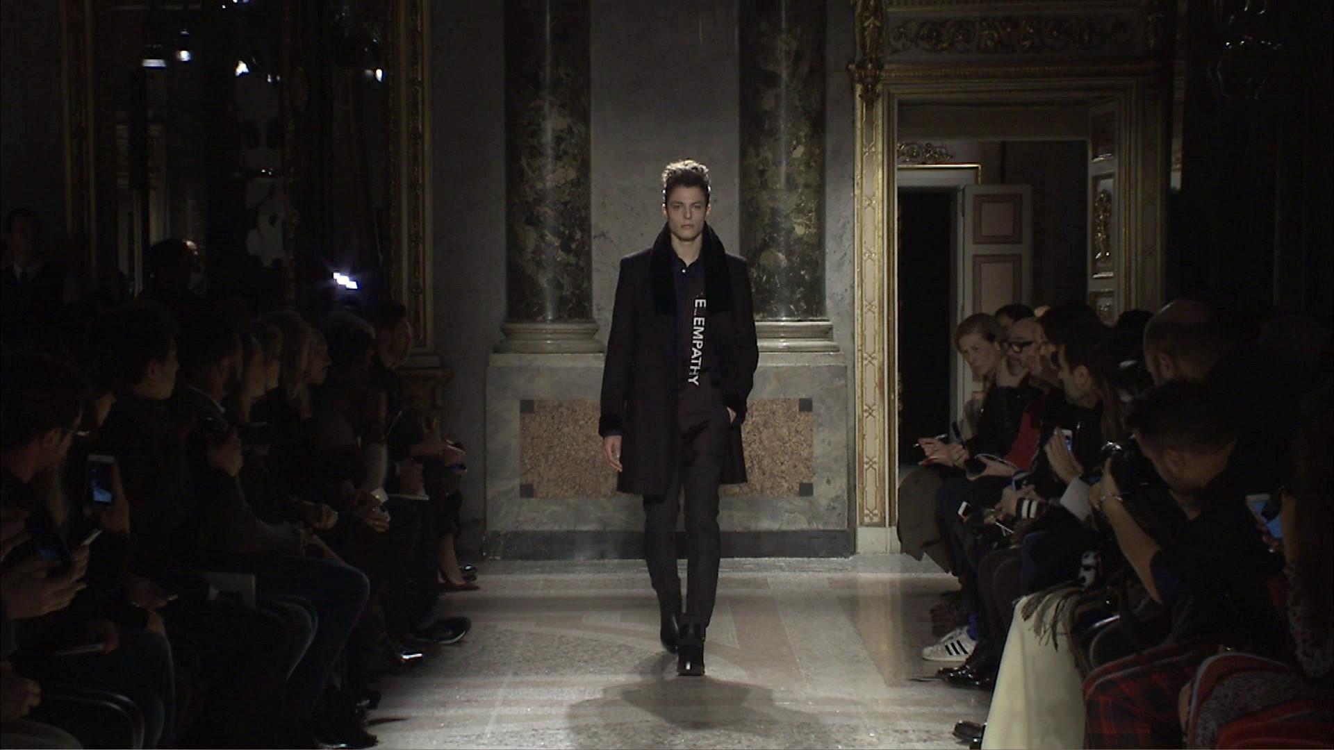 Roberto Cavalli Fall Winter 2015-16 Men's Fashion Show - Milan Fashion Week