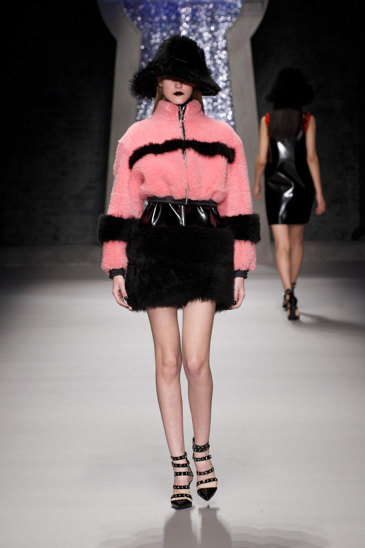 Runway Ashley Williams Fall Winter 2015 16 Women's Collection London Fashion Week