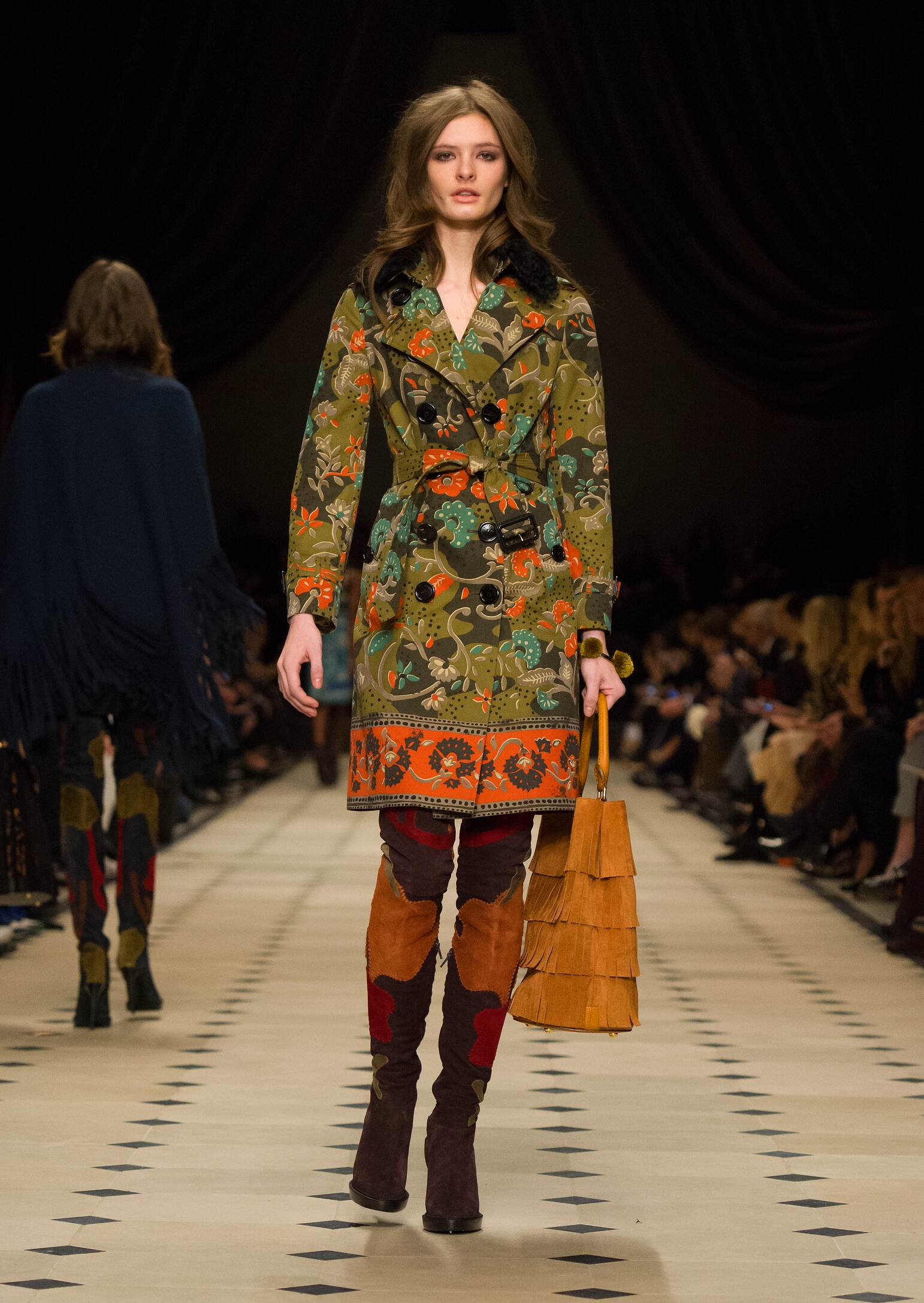 dress - Prorsum burberry fall winter collection video