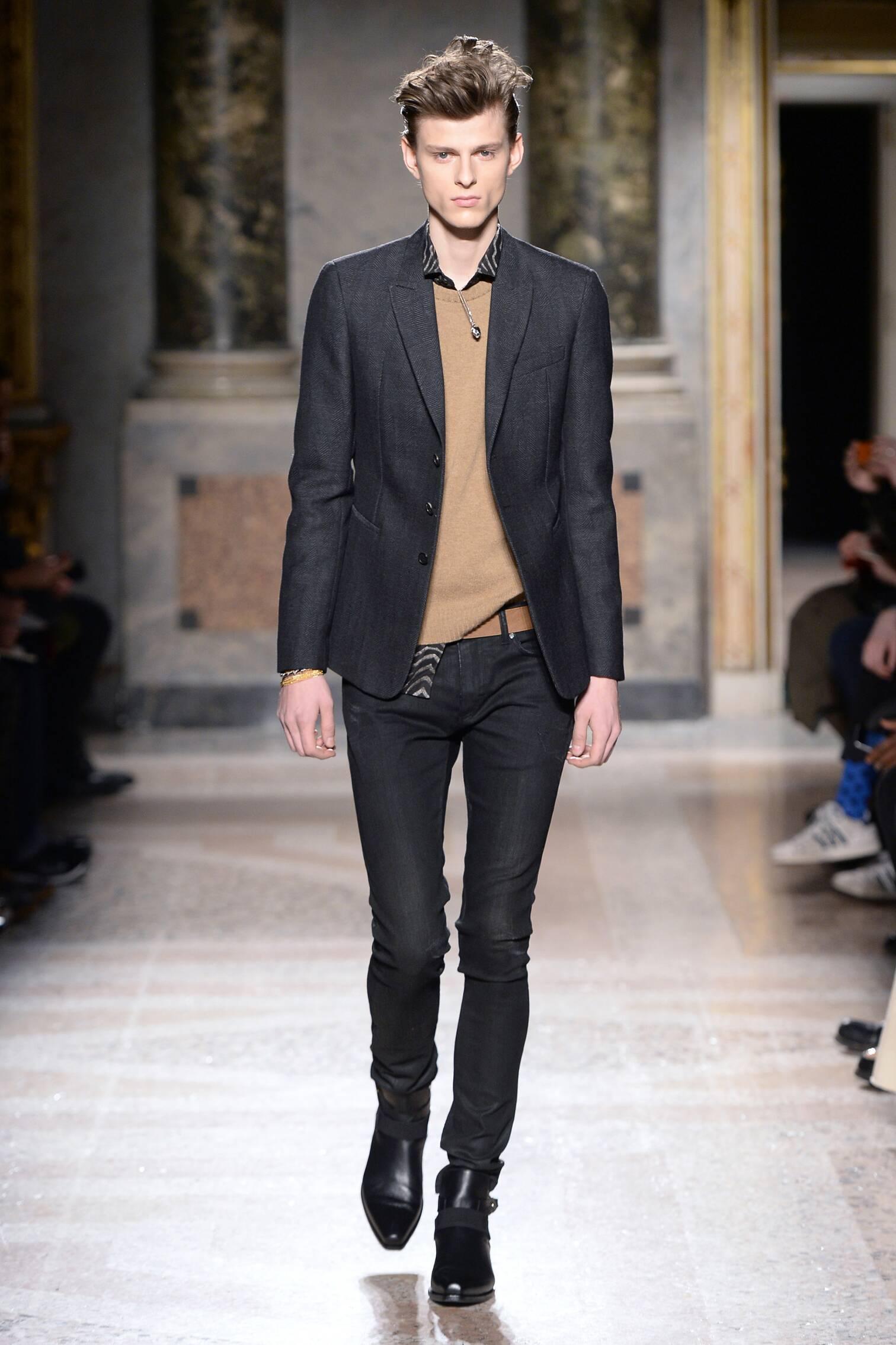 Runway Roberto Cavalli Fall Winter 2015 16 Men's Collection Milan Fashion Week