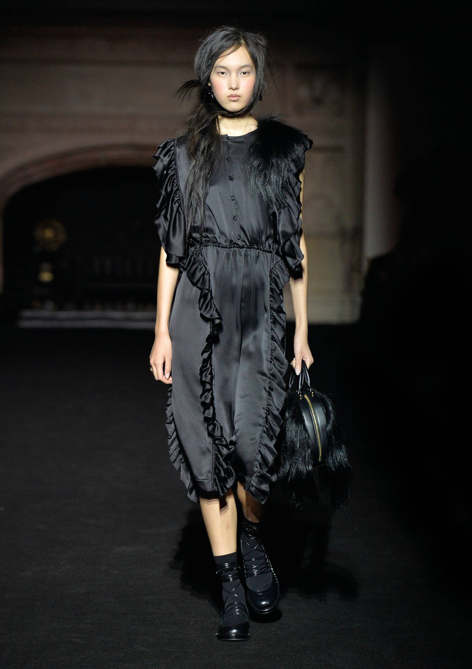 Simone Rocha Collection Fall 2015 Catwalk