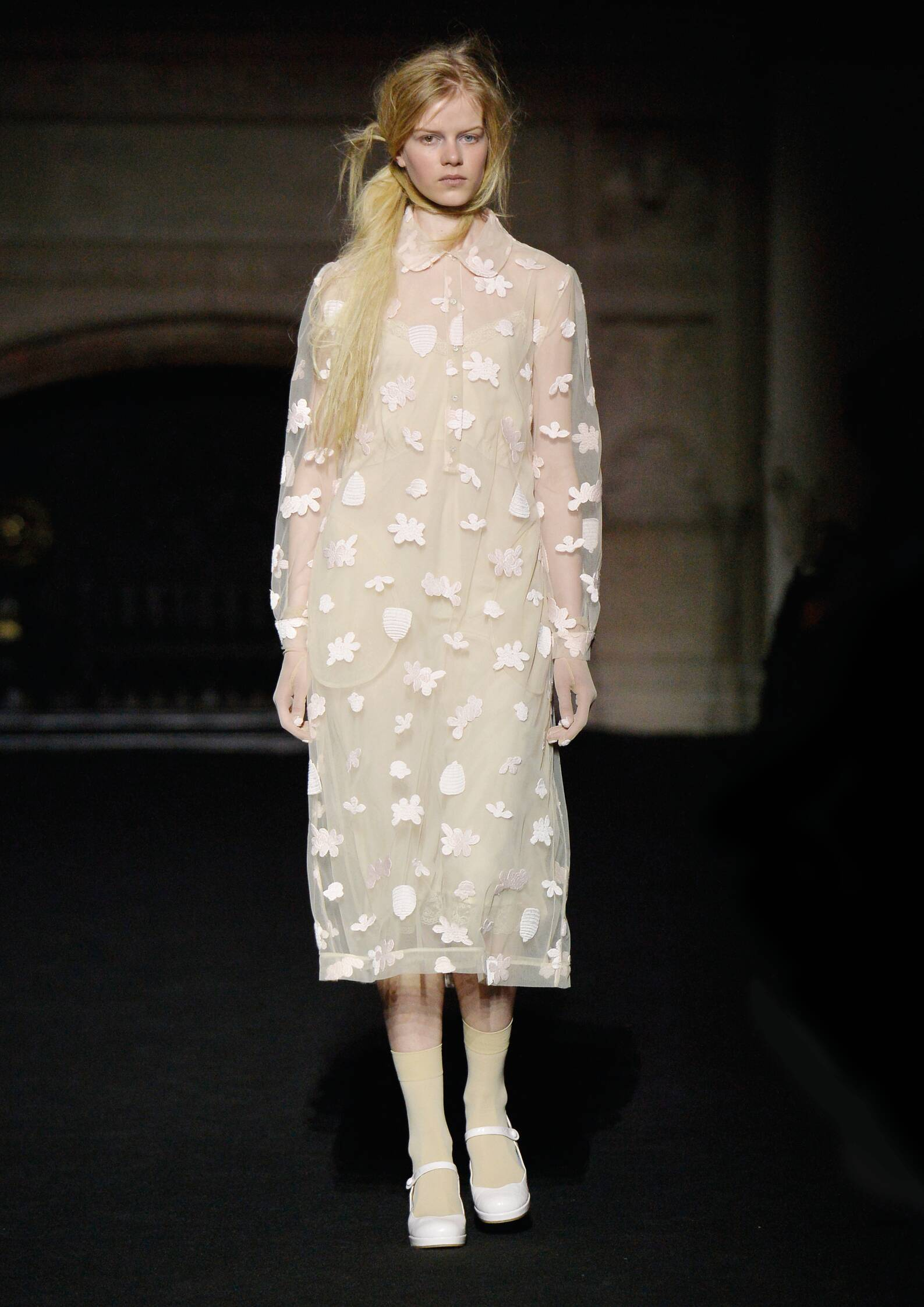 Simone Rocha Collection Winter 2015 Catwalk