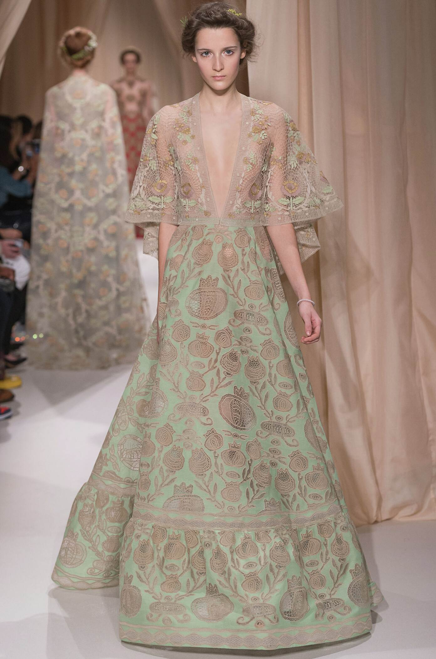 Spring Valentino Haute Couture Collection Fashion Women Model