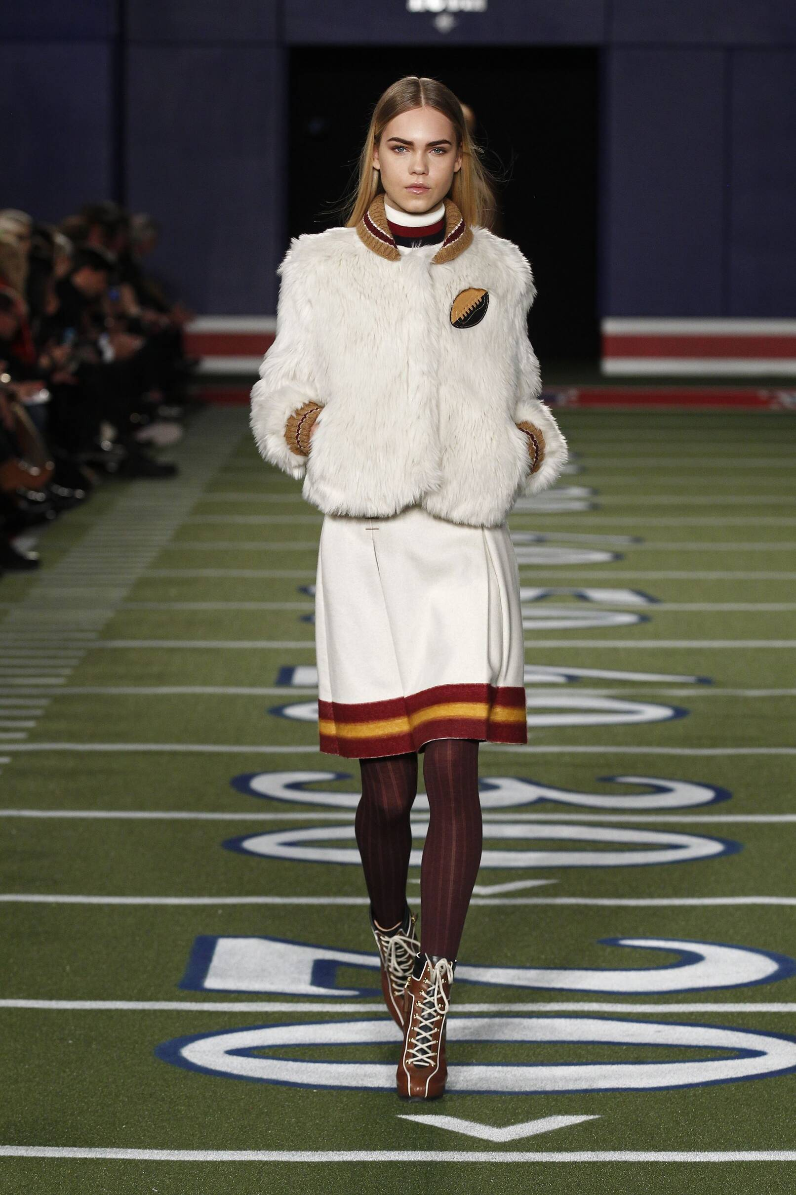 ba8b9210 Tommy Hilfiger Fall Winter 2015 16 Womens Collection New York Fashion Week