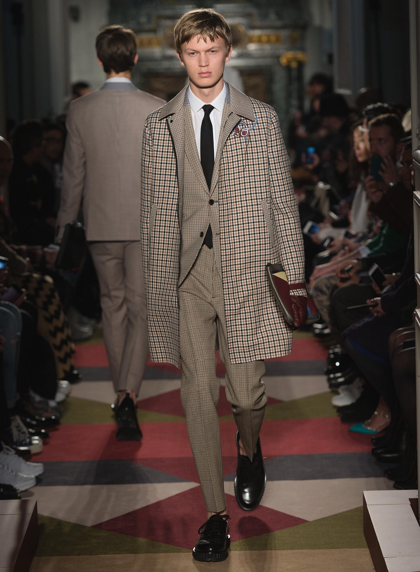 Valentino Fall Winter 2015 16 Men's Collection Paris Fashion Week