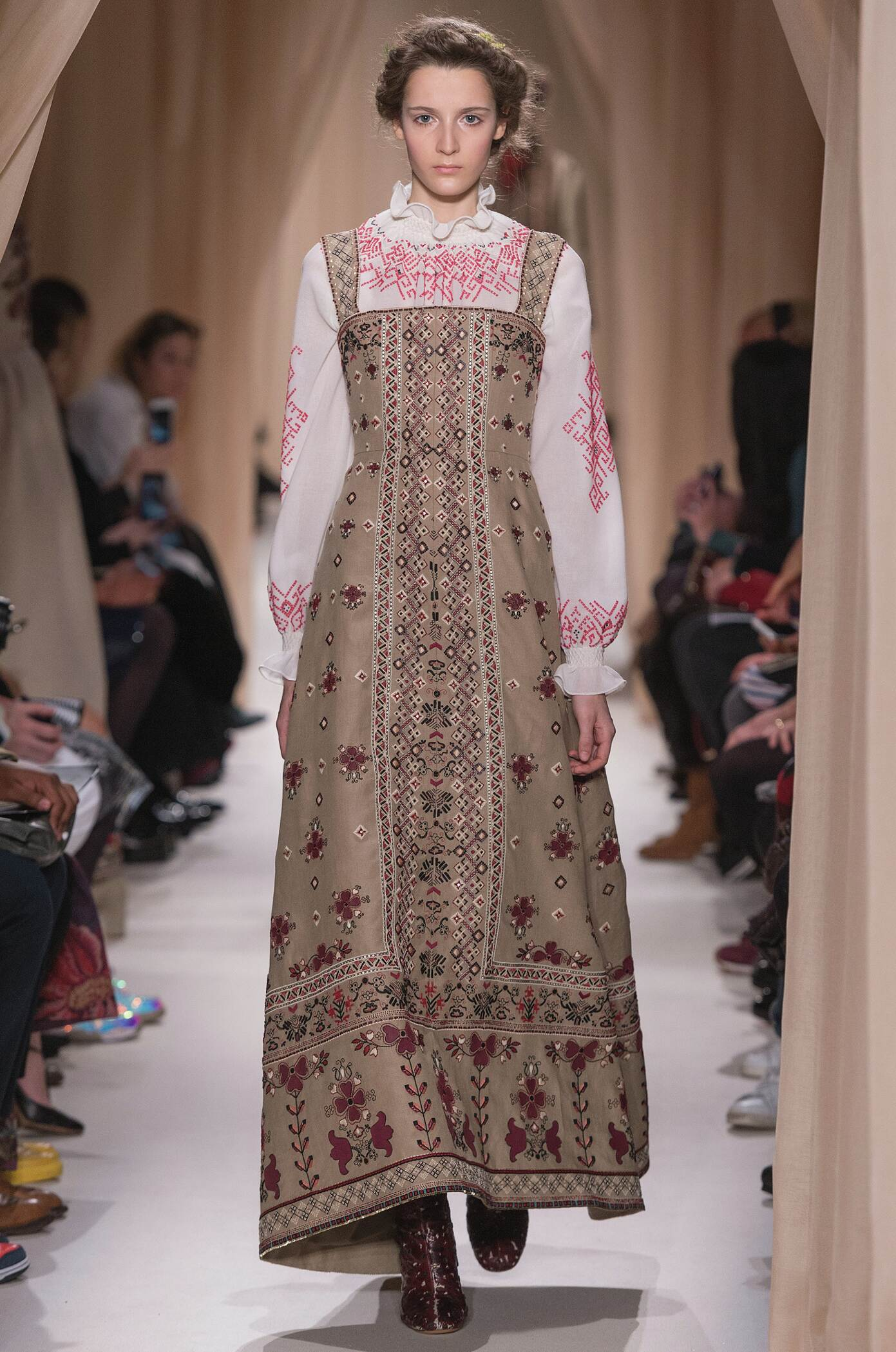 Valentino Haute Couture Spring Summer 2015 Women's Collection Paris Fashion Week Fashion Show