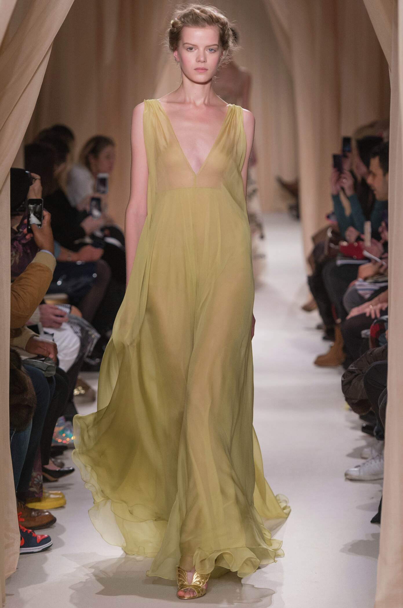 Valentino Haute Couture Spring Summer 2015 Women's Collection Paris Fashion Week