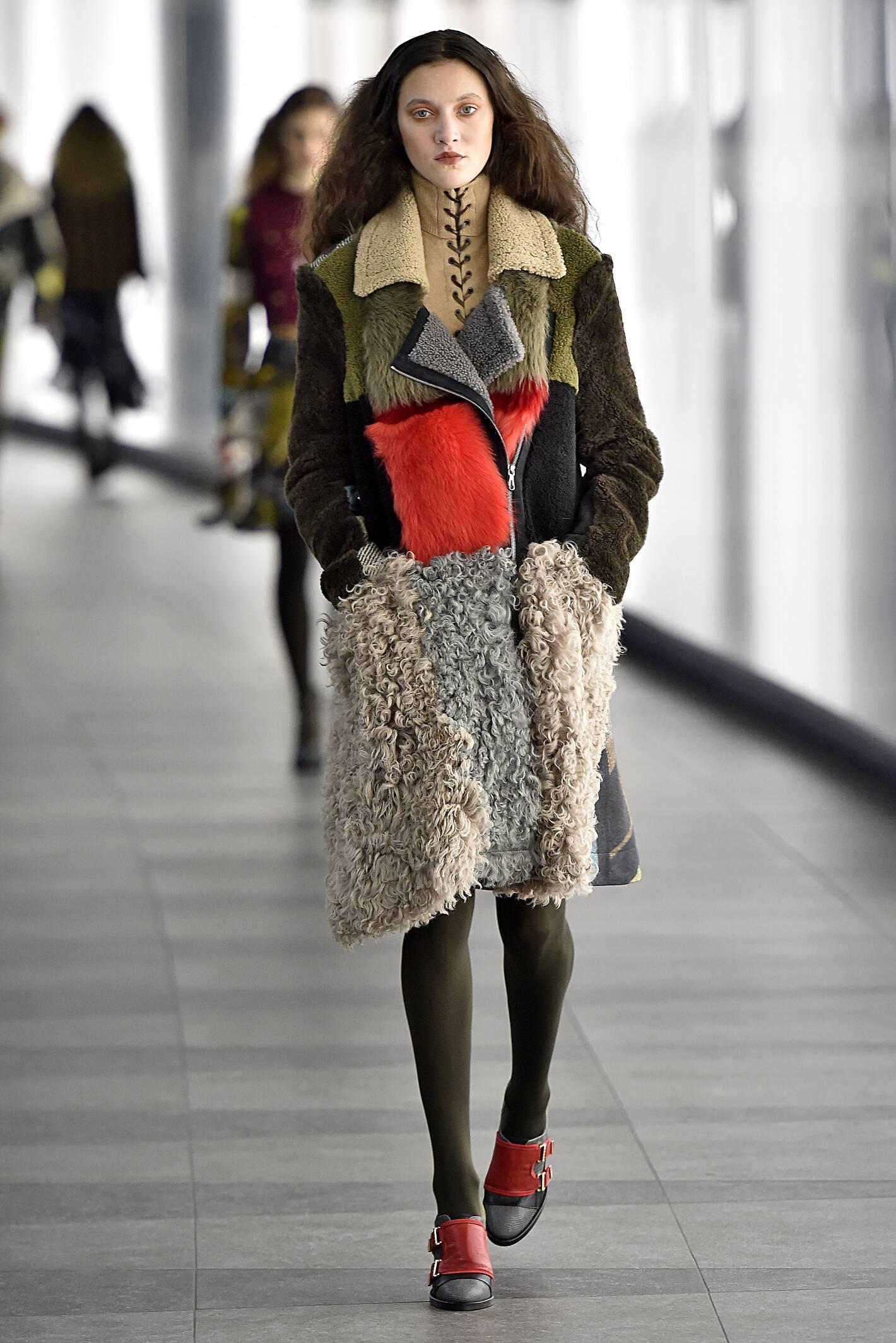 2016 Fall Fashion Woman Preen by Thornton Bregazzi Collection
