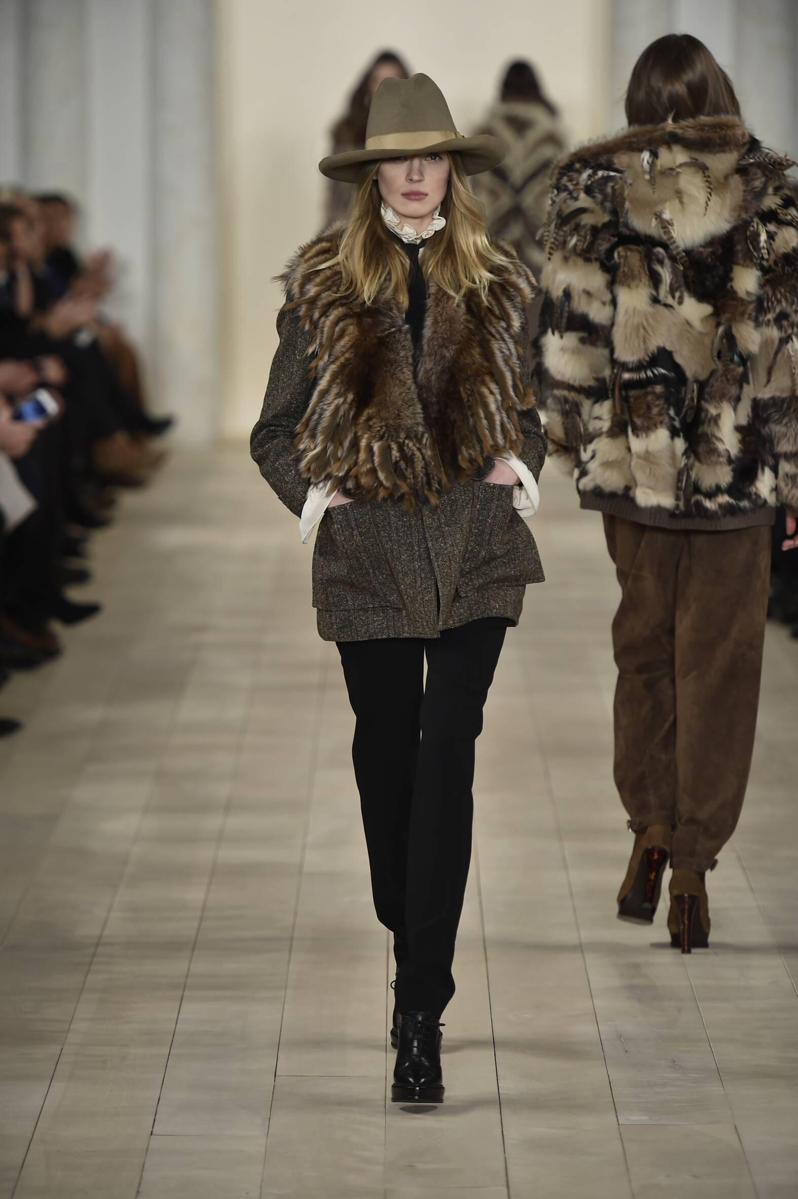 2016 Fall Fashion Woman Ralph Lauren Collection