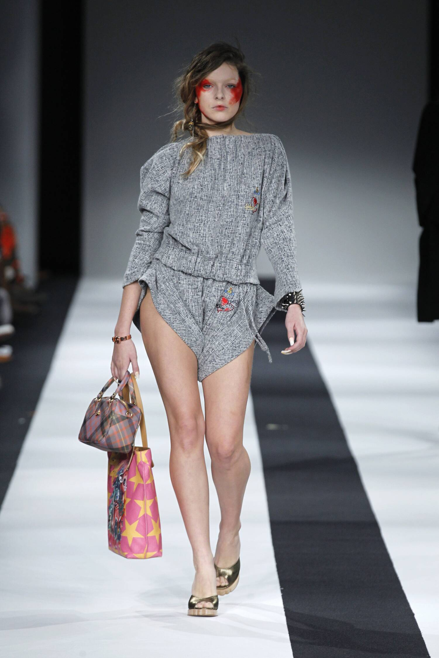 2016 Fall Fashion Woman Vivienne Westwood Red Label Collection