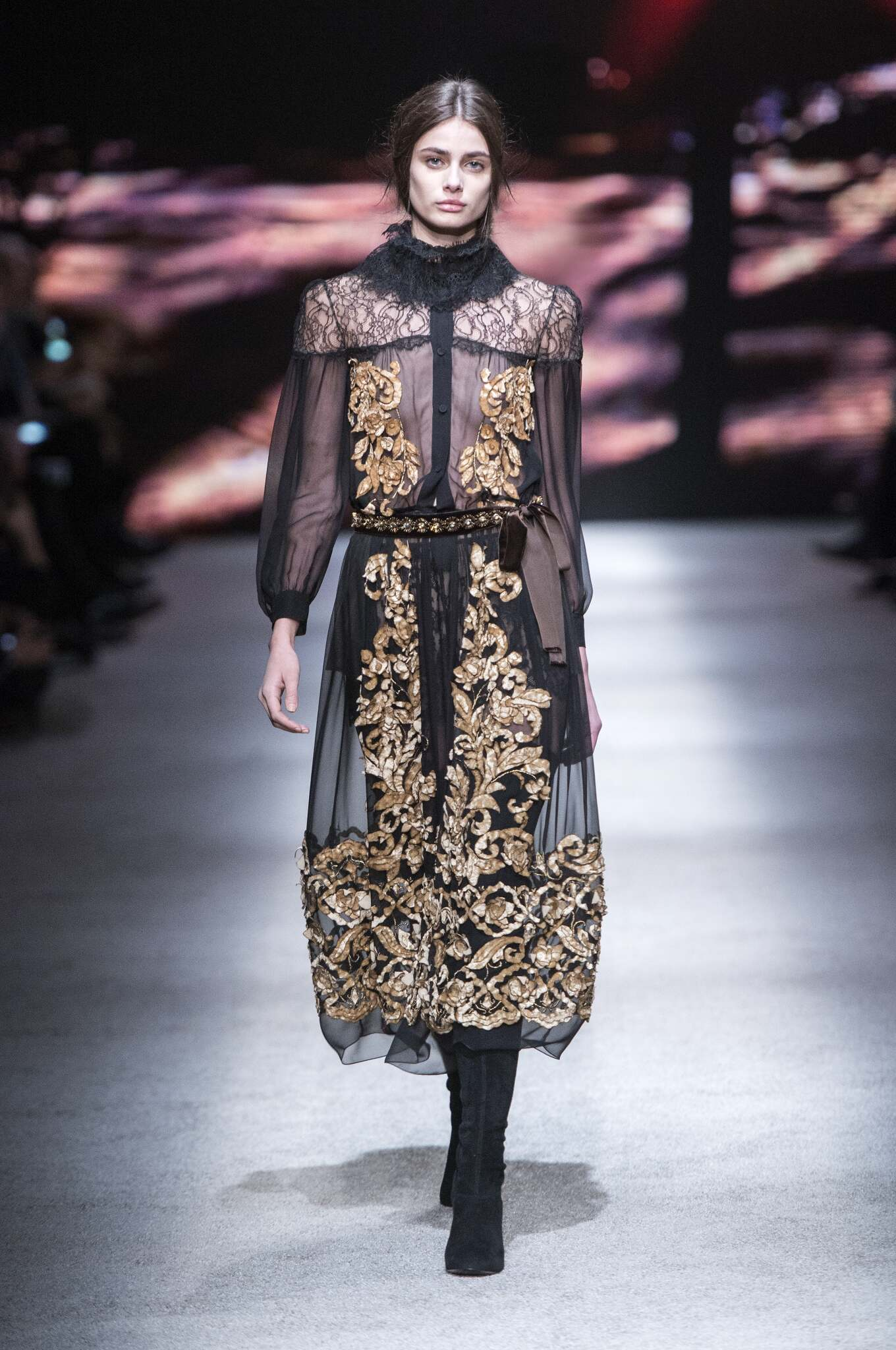 Alberta Ferretti Collection Winter 2015 Catwalk