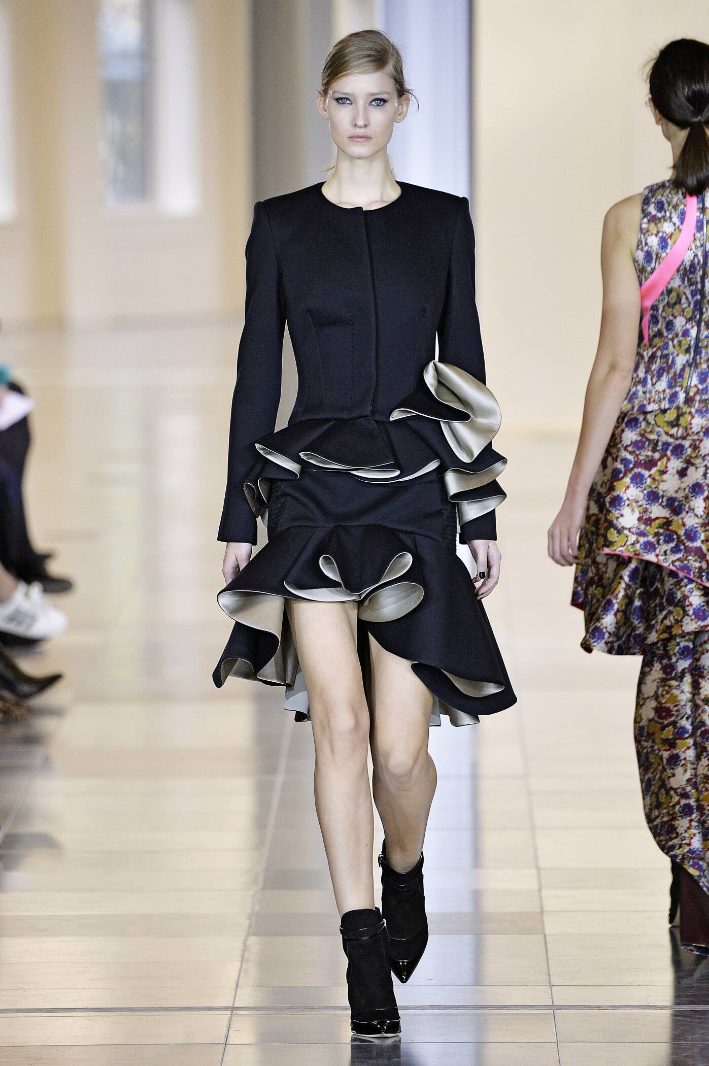 Antonio Berardi Collection Fashion Show FW 2015 2016