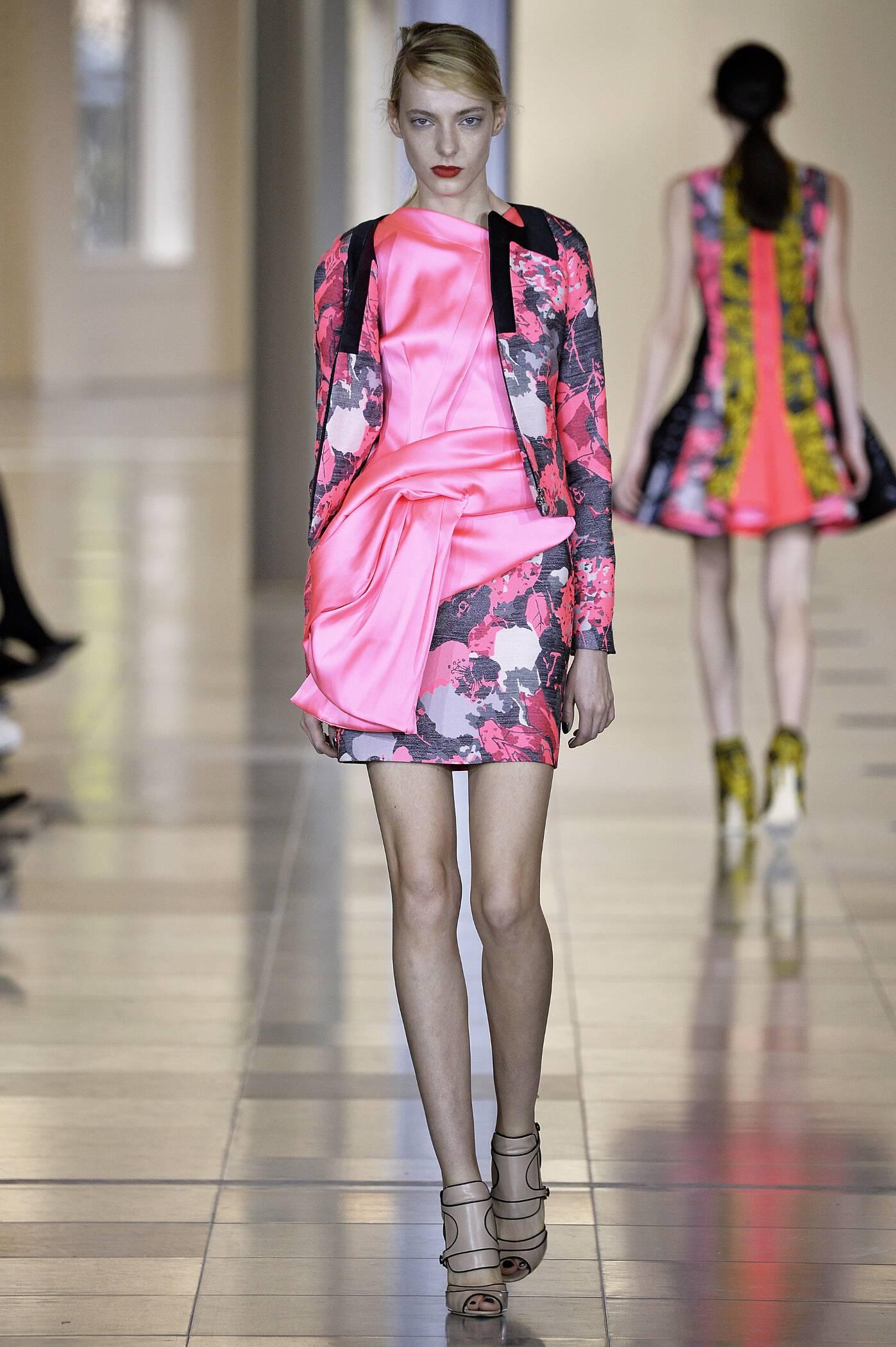 Antonio Berardi Fall Winter 2015 16 Womenswear Collection London Fashion Week Fashion Show
