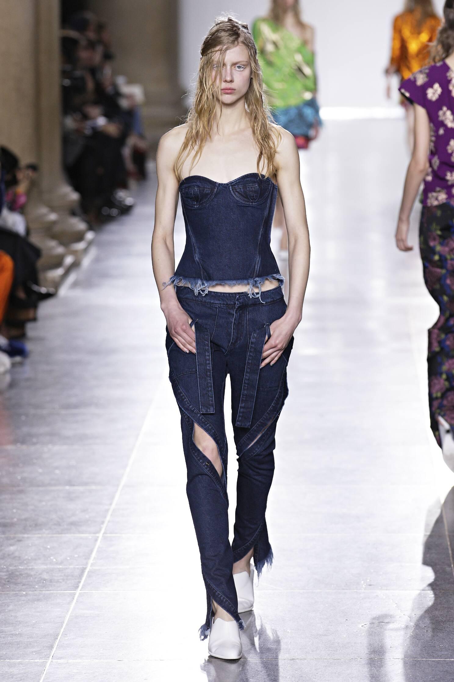 Catwalk Marques Almeida Fall Winter 2015 16 Women's Collection London Fashion Week