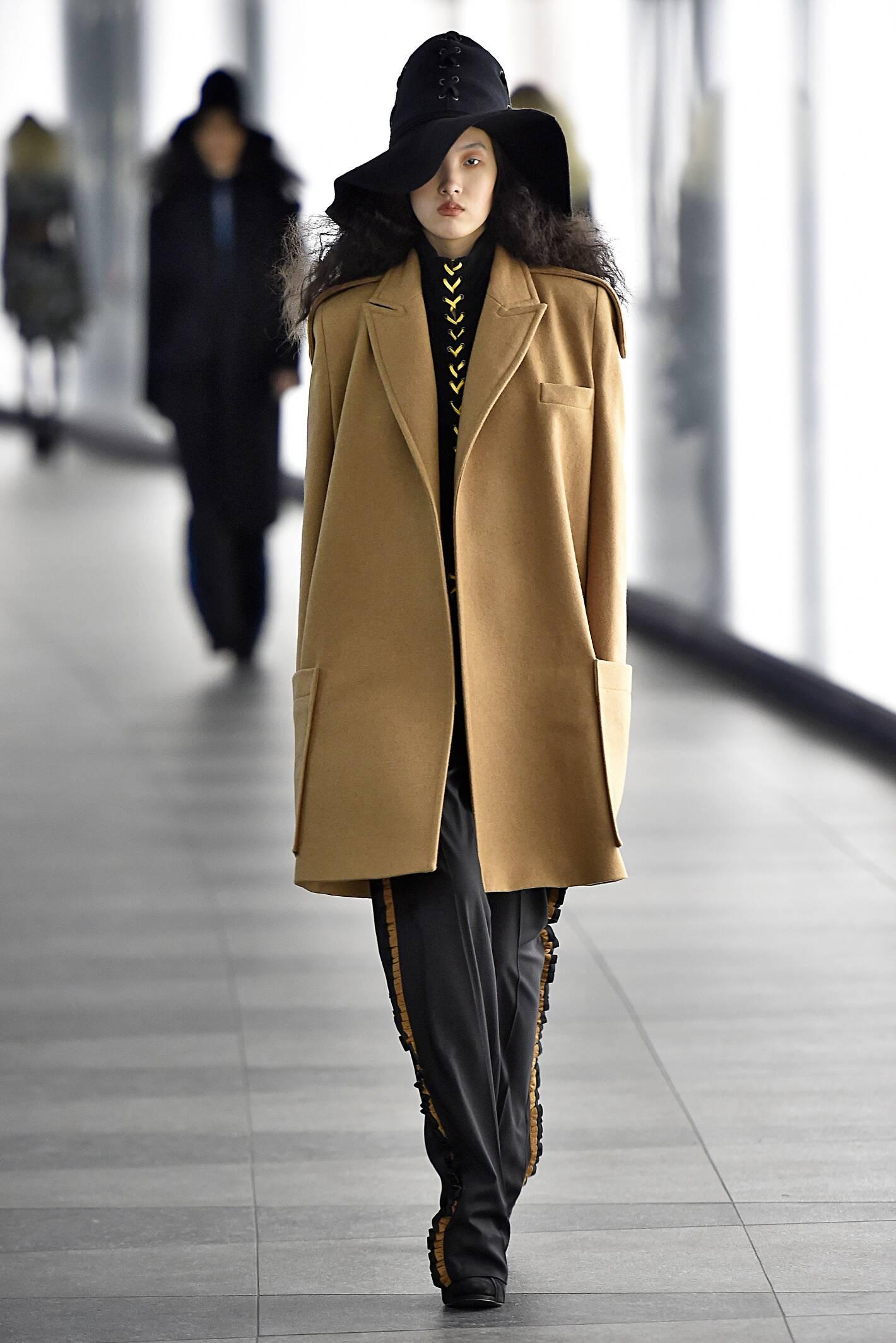 Catwalk Preen by Thornton Bregazzi Fall Winter 2015 16 Women's Collection London Fashion Week