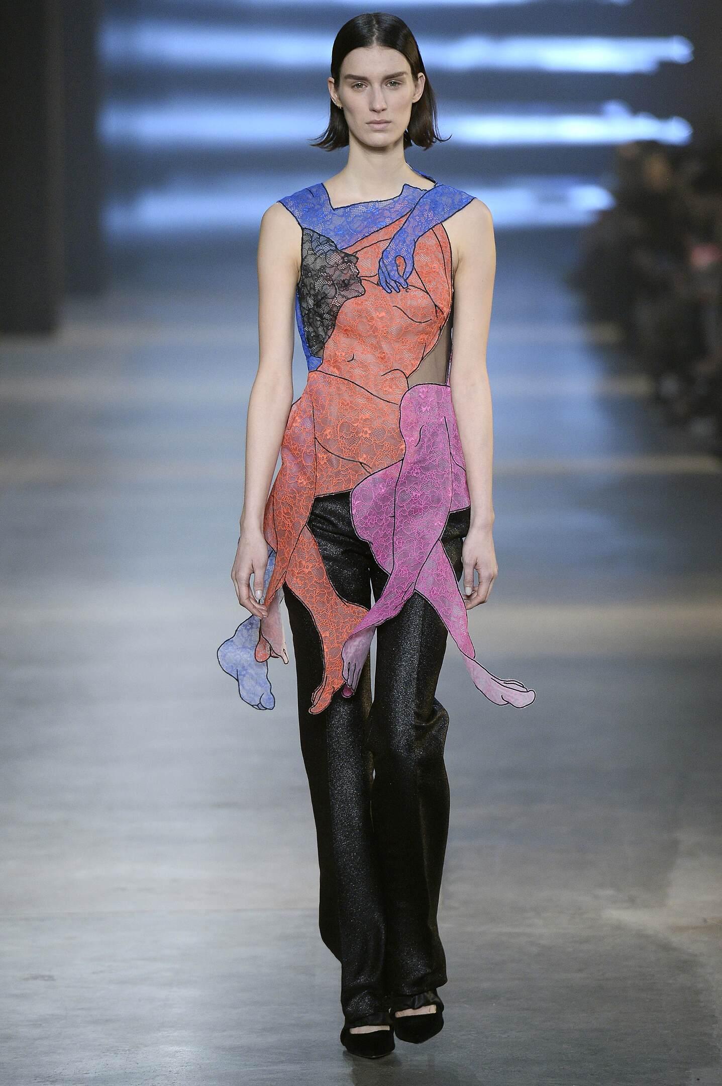 Christopher Kane Fall Winter 2015 16 Women's Collection London Fashion Week