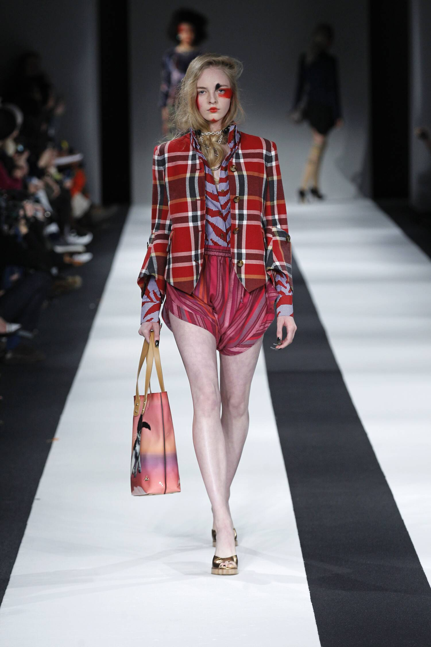 Fall Fashion 2015 2016 Vivienne Westwood Red Label Collection