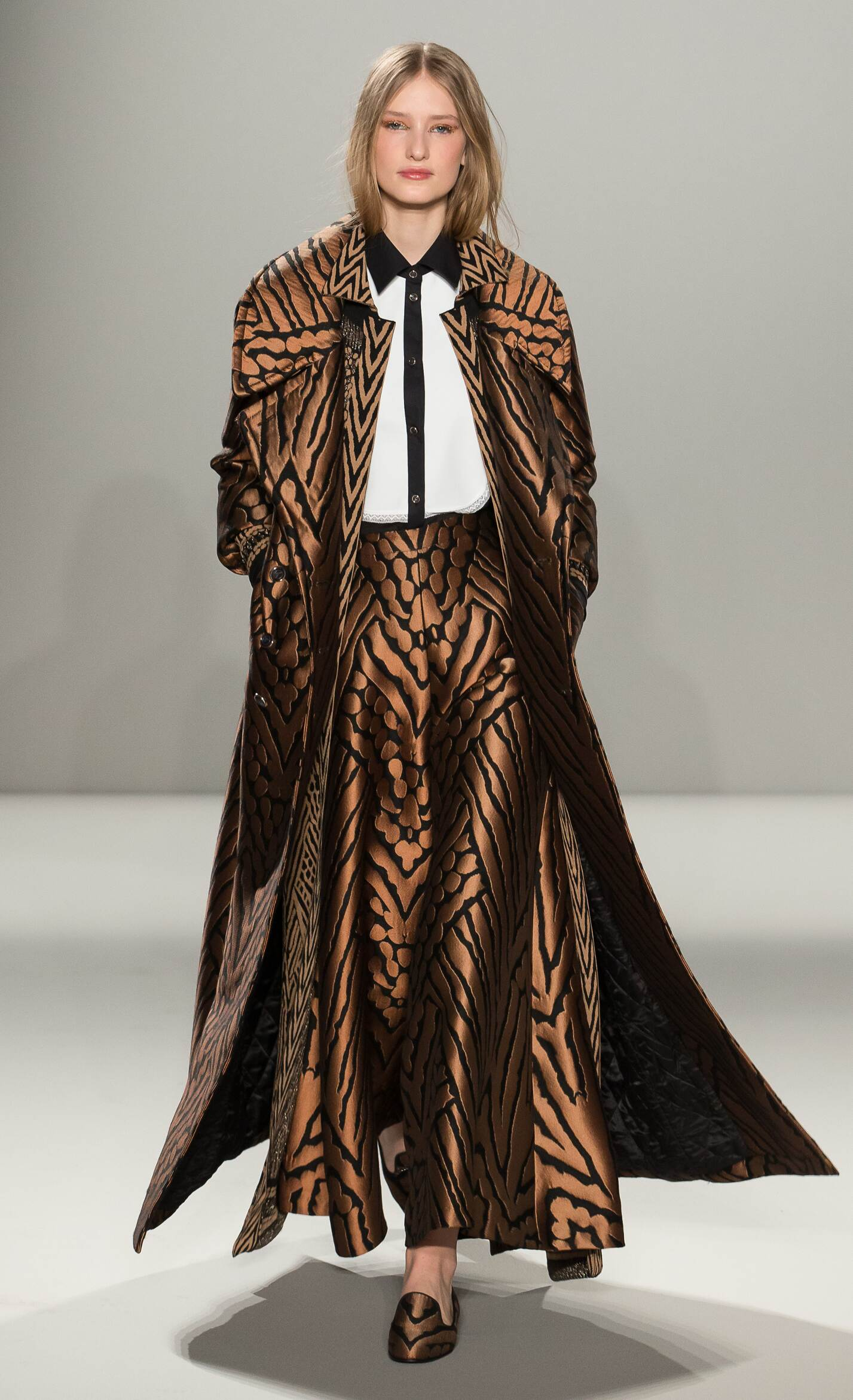 Fall Fashion Woman Temperley London Collection