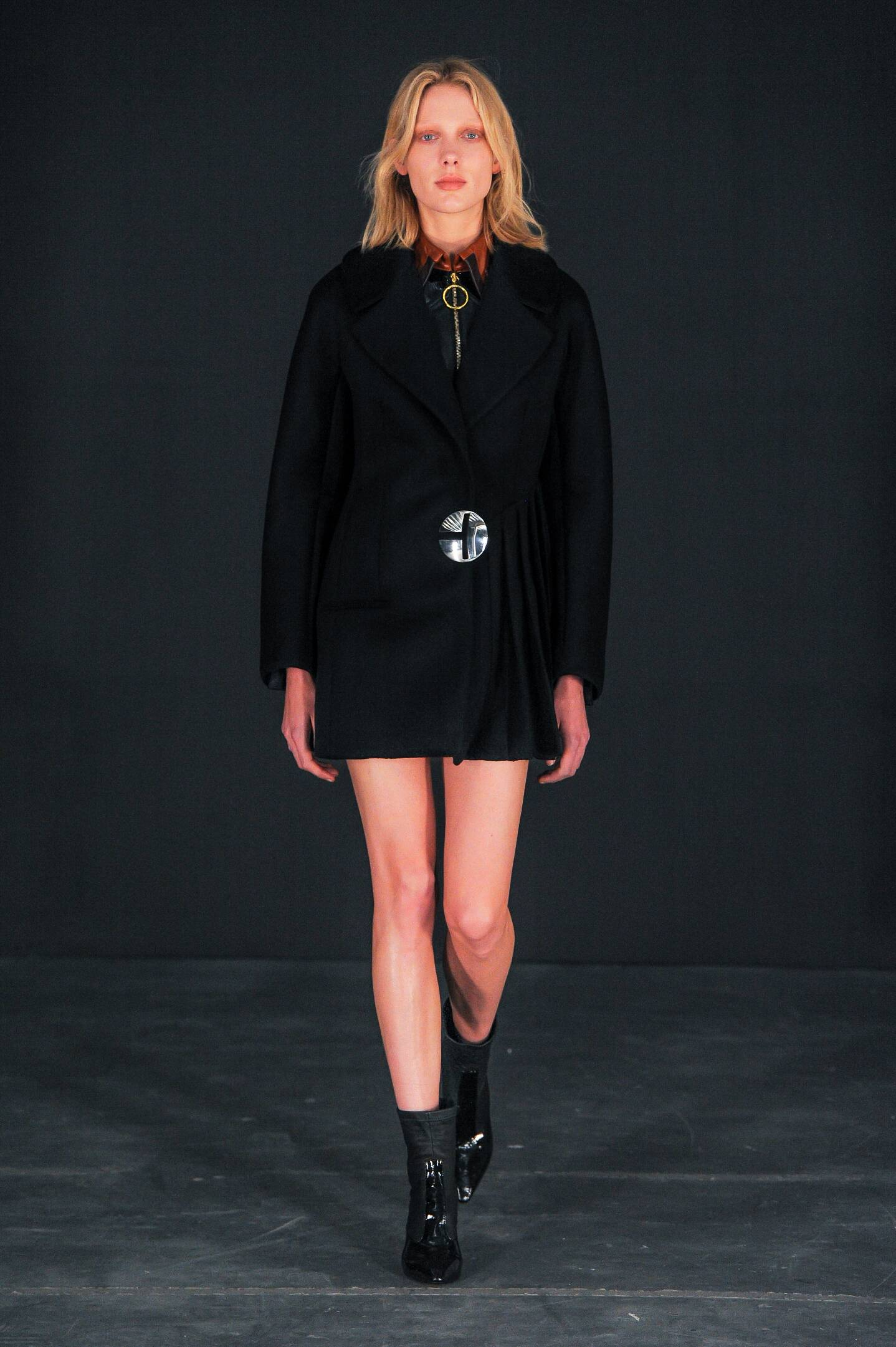 Fall Fashion Woman Thomas Tait Collection