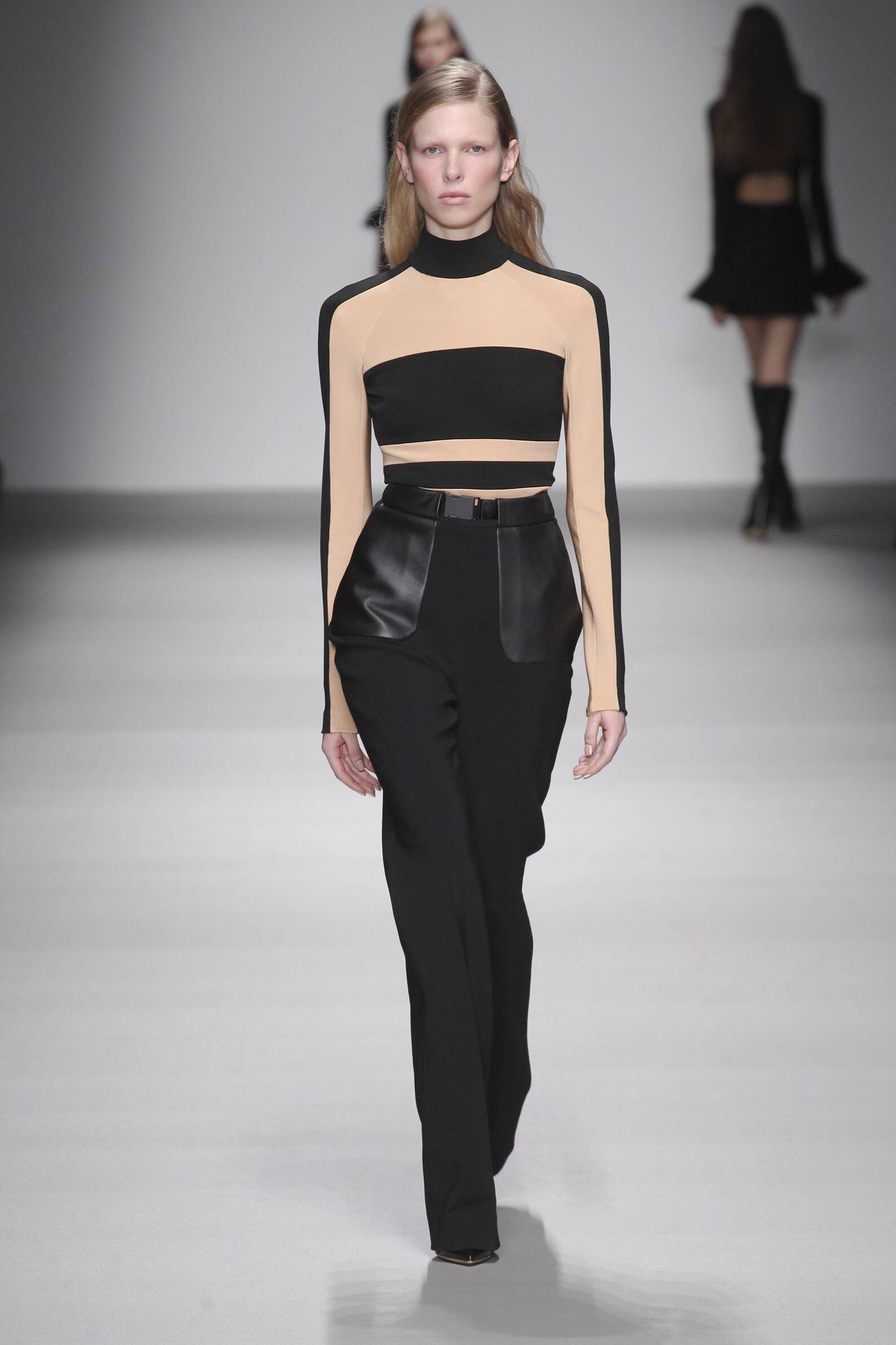 Fall Winter 2015 16 Fashion Collection David Koma