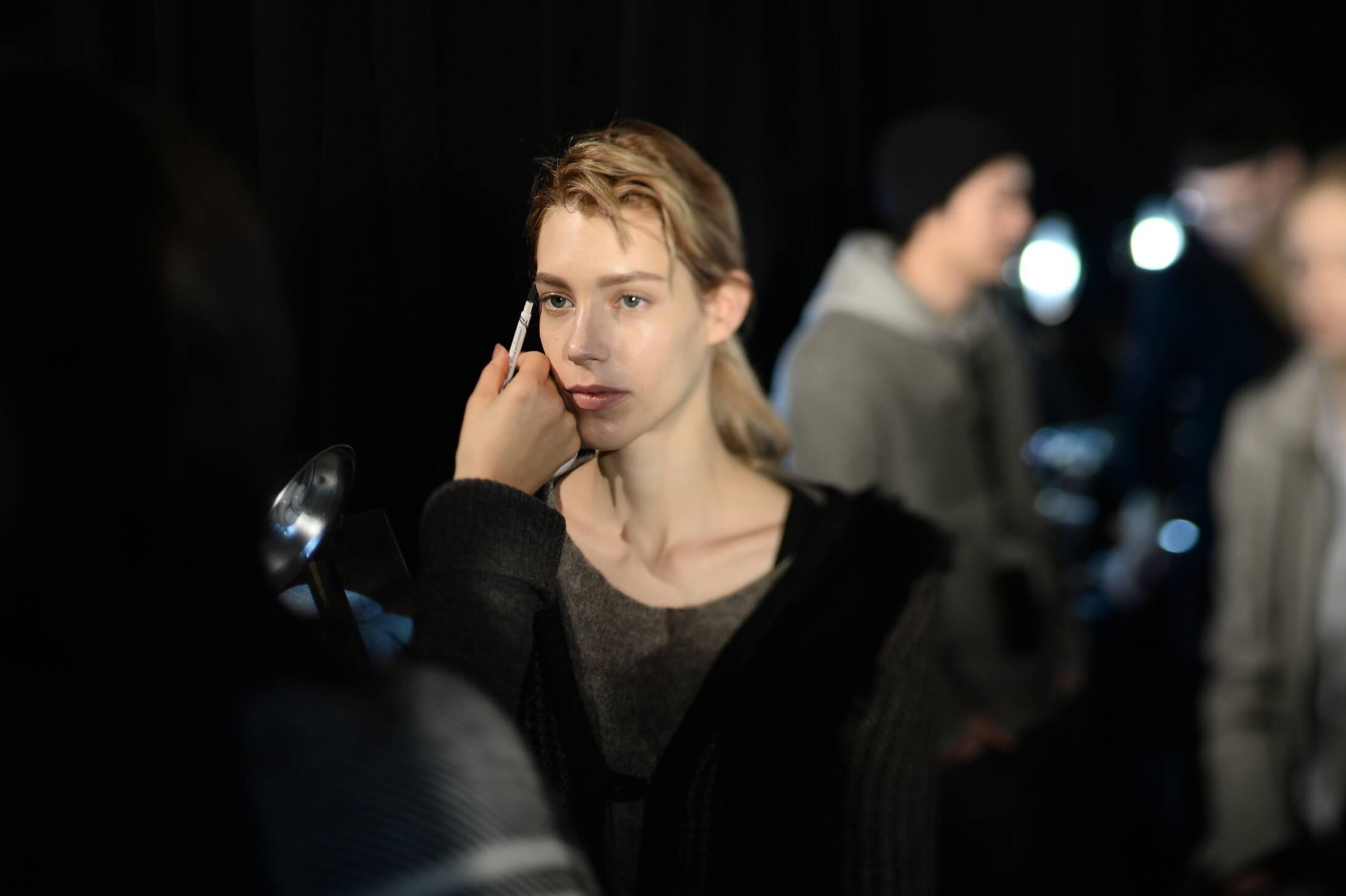 Fashion Model Make Up Diesel Black Gold Backstage
