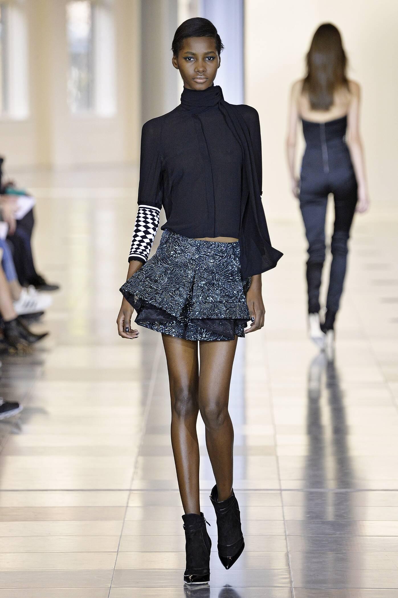 Fashion Show FW 2015 2016 Antonio Berardi Womenswear