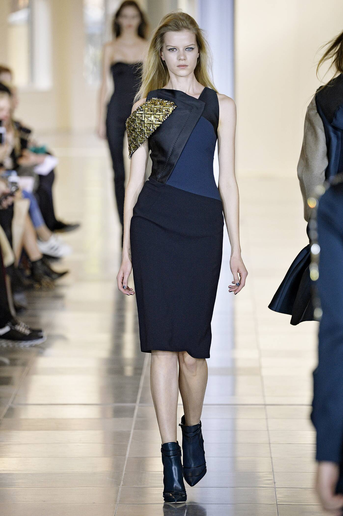 Fashion Winter Trends 2015 2016 Antonio Berardi