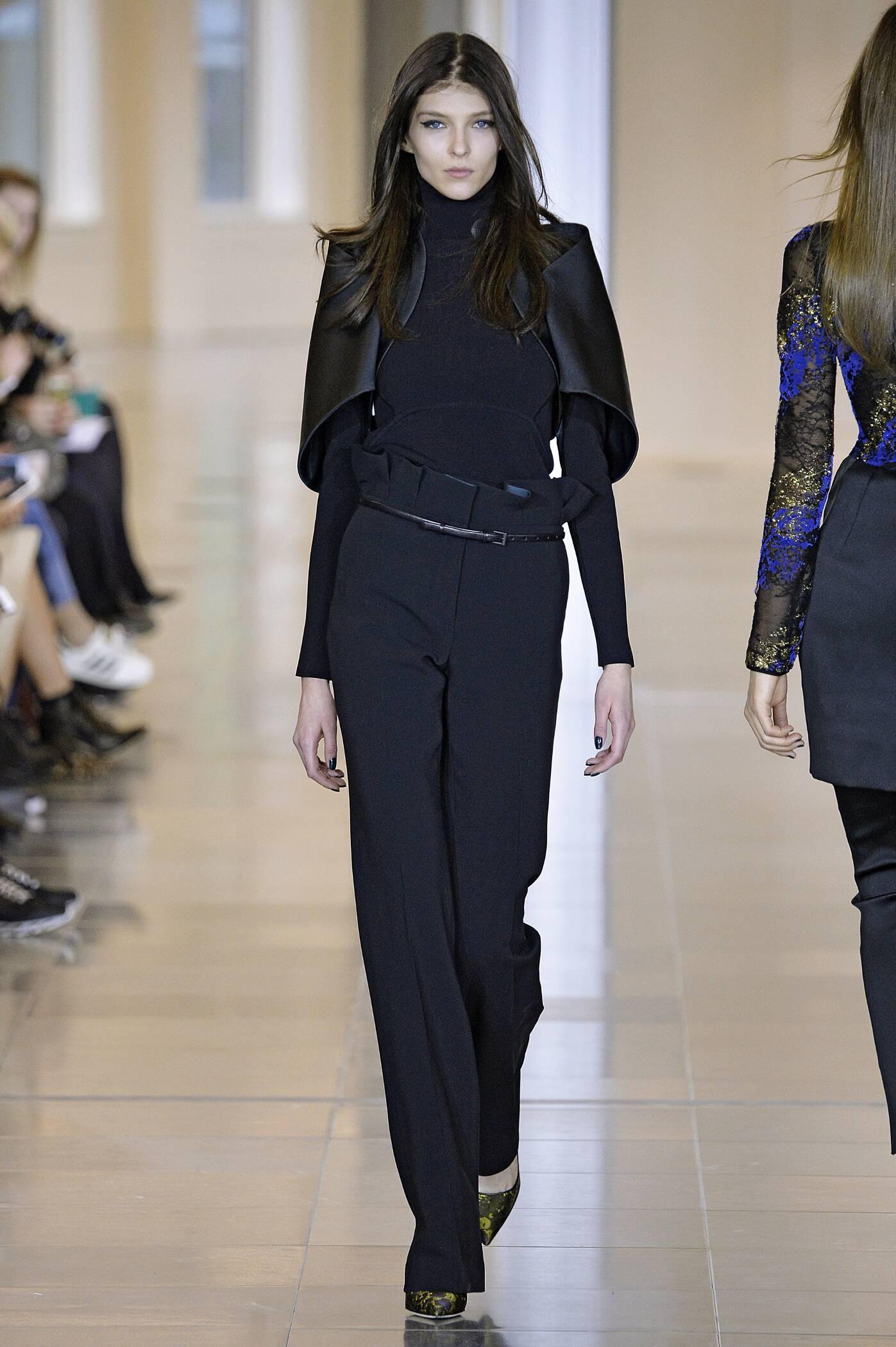 Fashion Woman Model Antonio Berardi Collection Catwalk