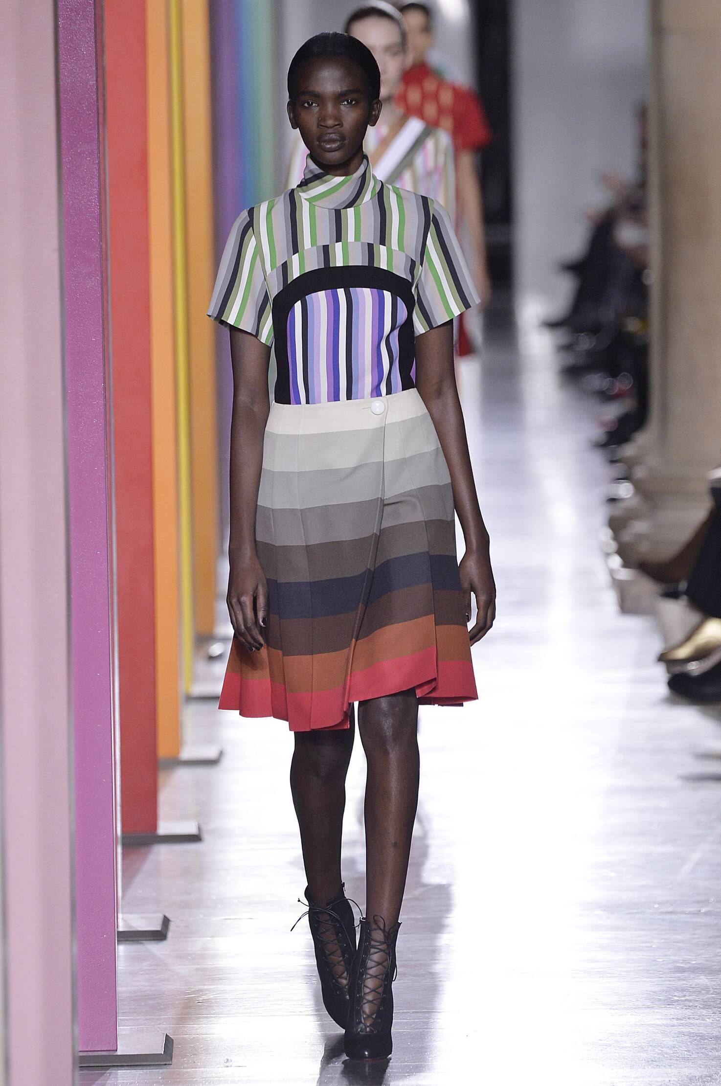 Fashion Woman Model Jonathan Saunders Collection Catwalk