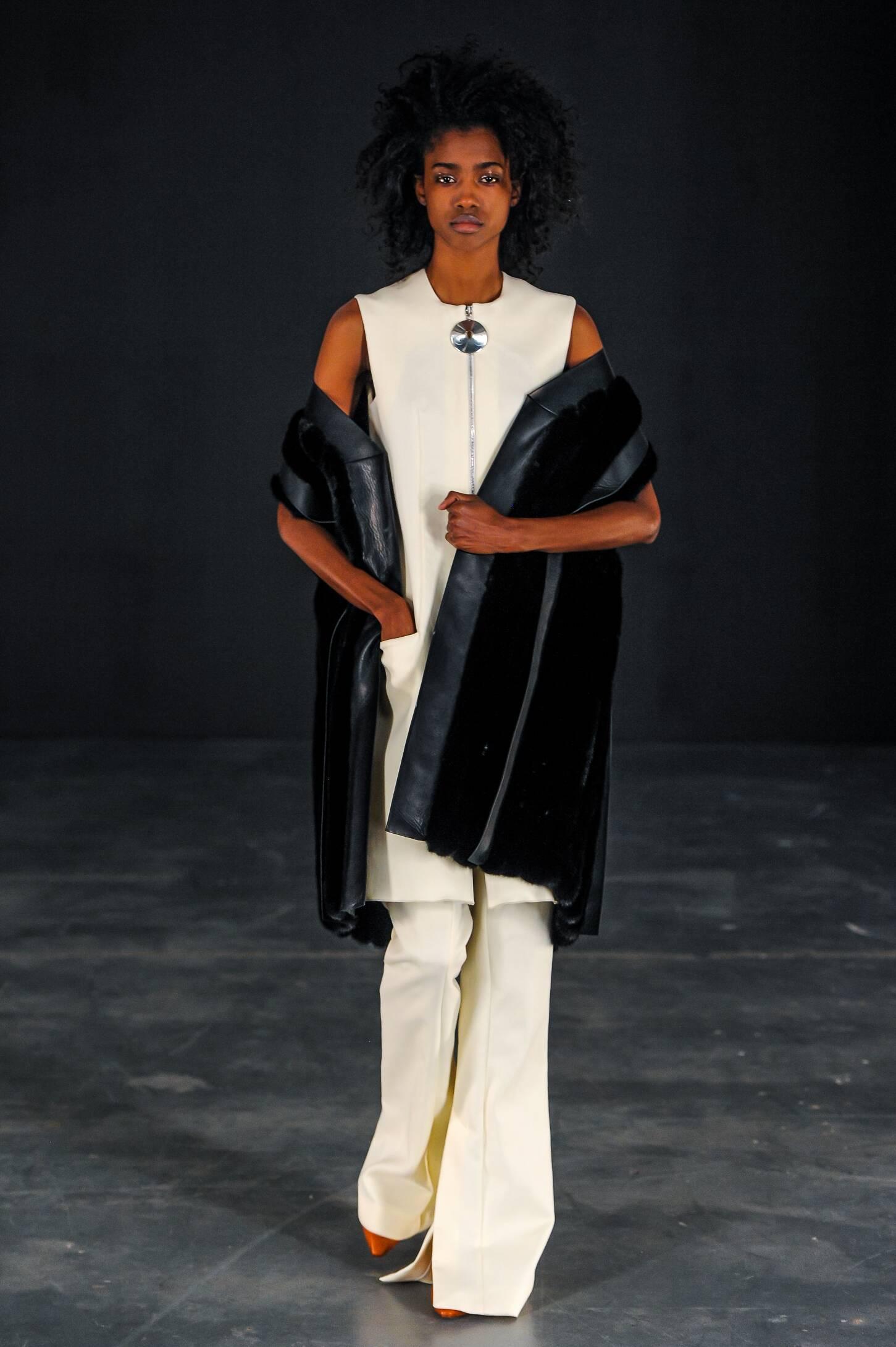 Fashion Woman Model Thomas Tait Collection Catwalk