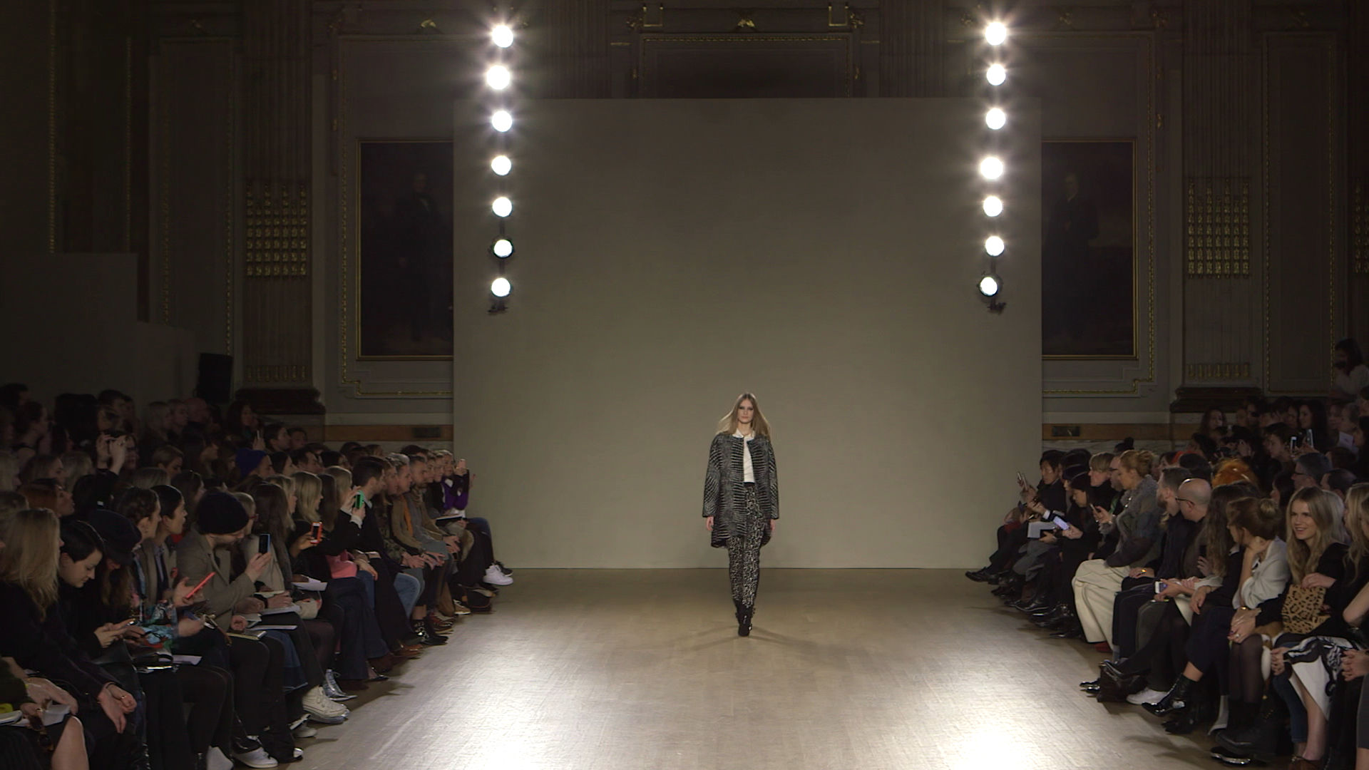 Issa Fall Winter 2015-16 Women's Fashion Show - London Fashion Week