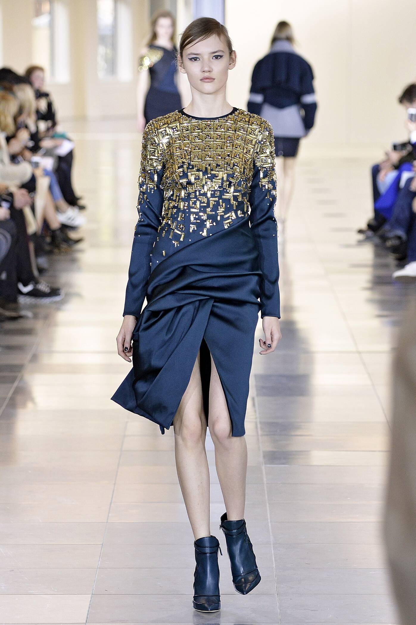 Runway Antonio Berardi Fashion Show Winter 2015